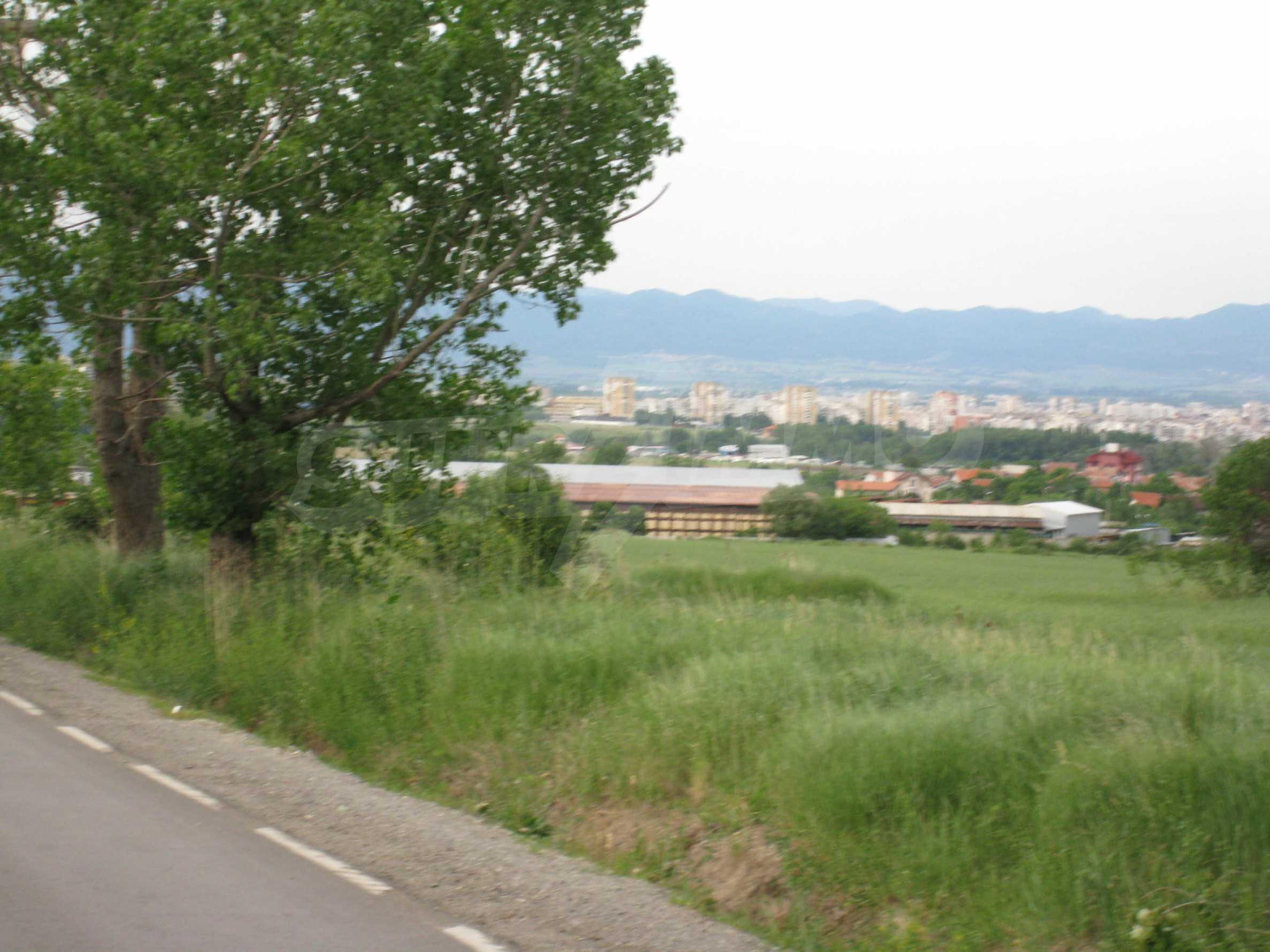 Agricultural land at asphalt road in Suhodol 16