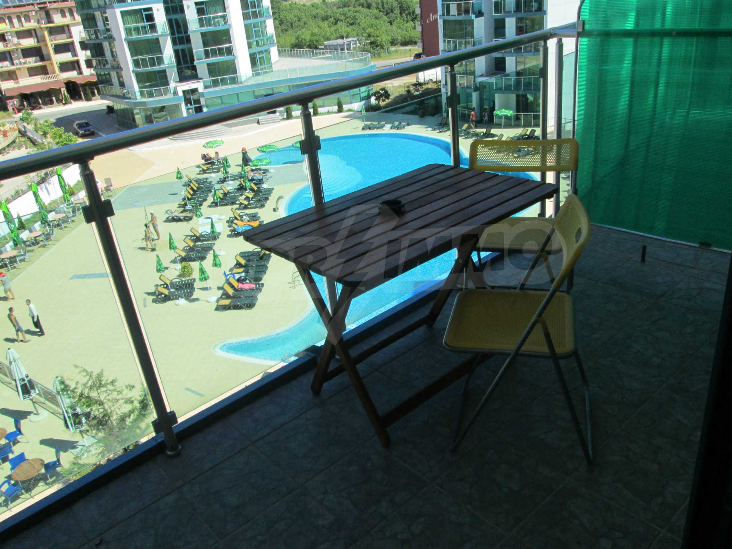 Fully furnished one-bedroom apartment on the sea 11