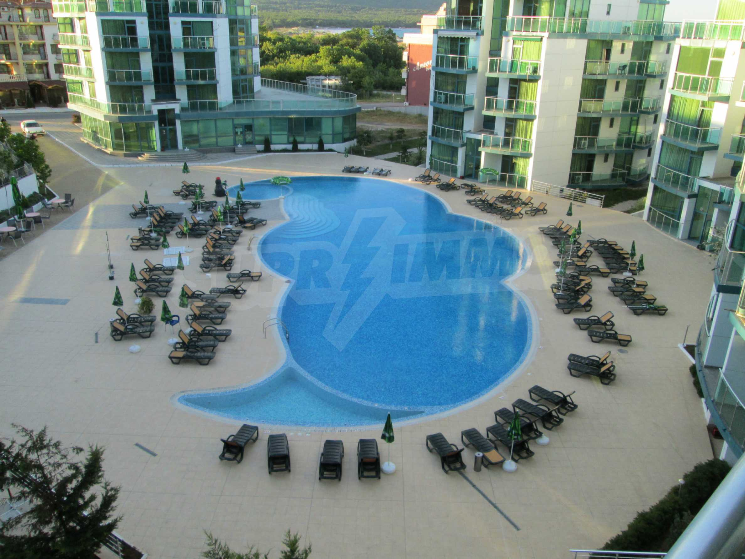 Fully furnished one-bedroom apartment on the sea 12
