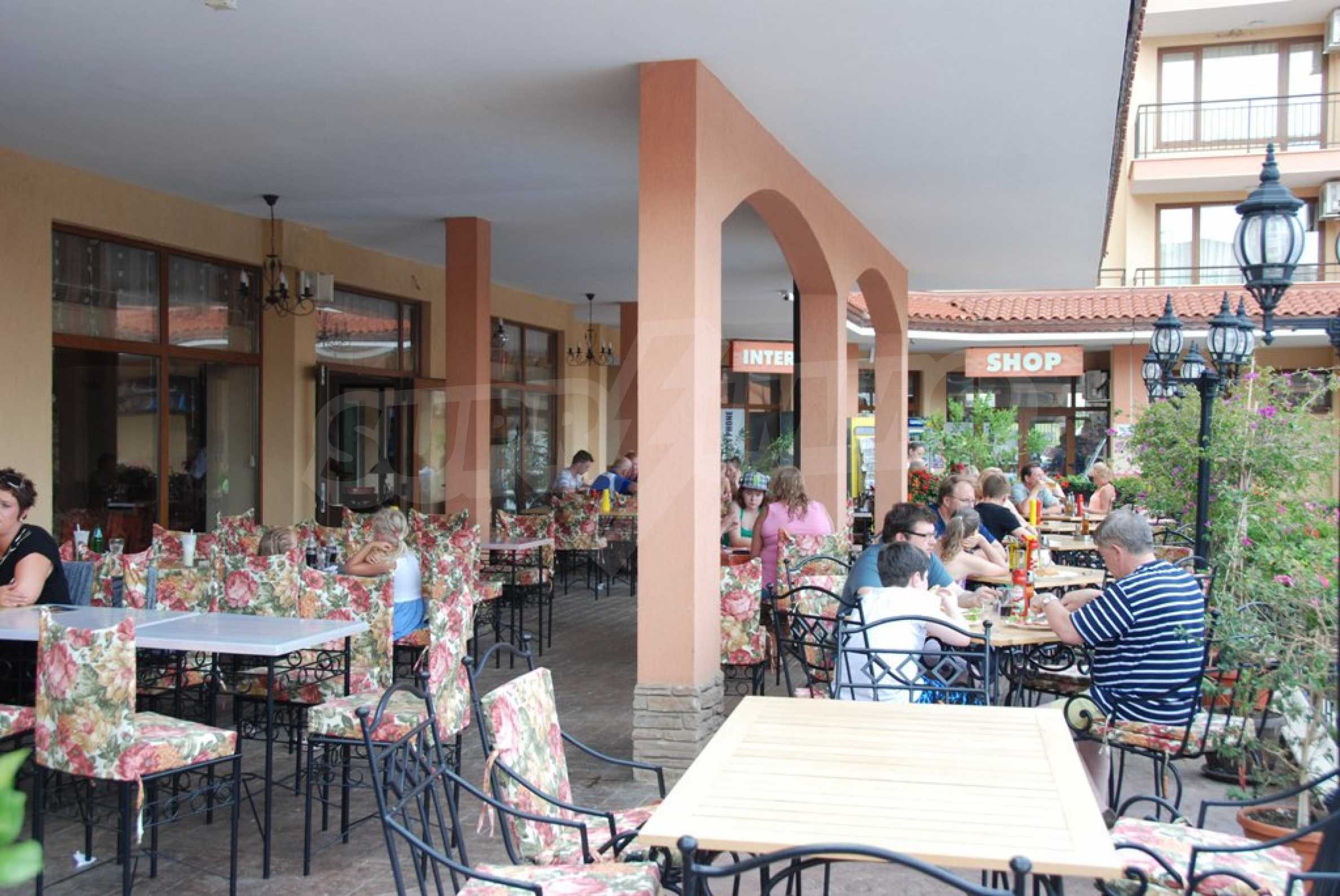 Luxury fully equipped restaurant 100m from the beach 13