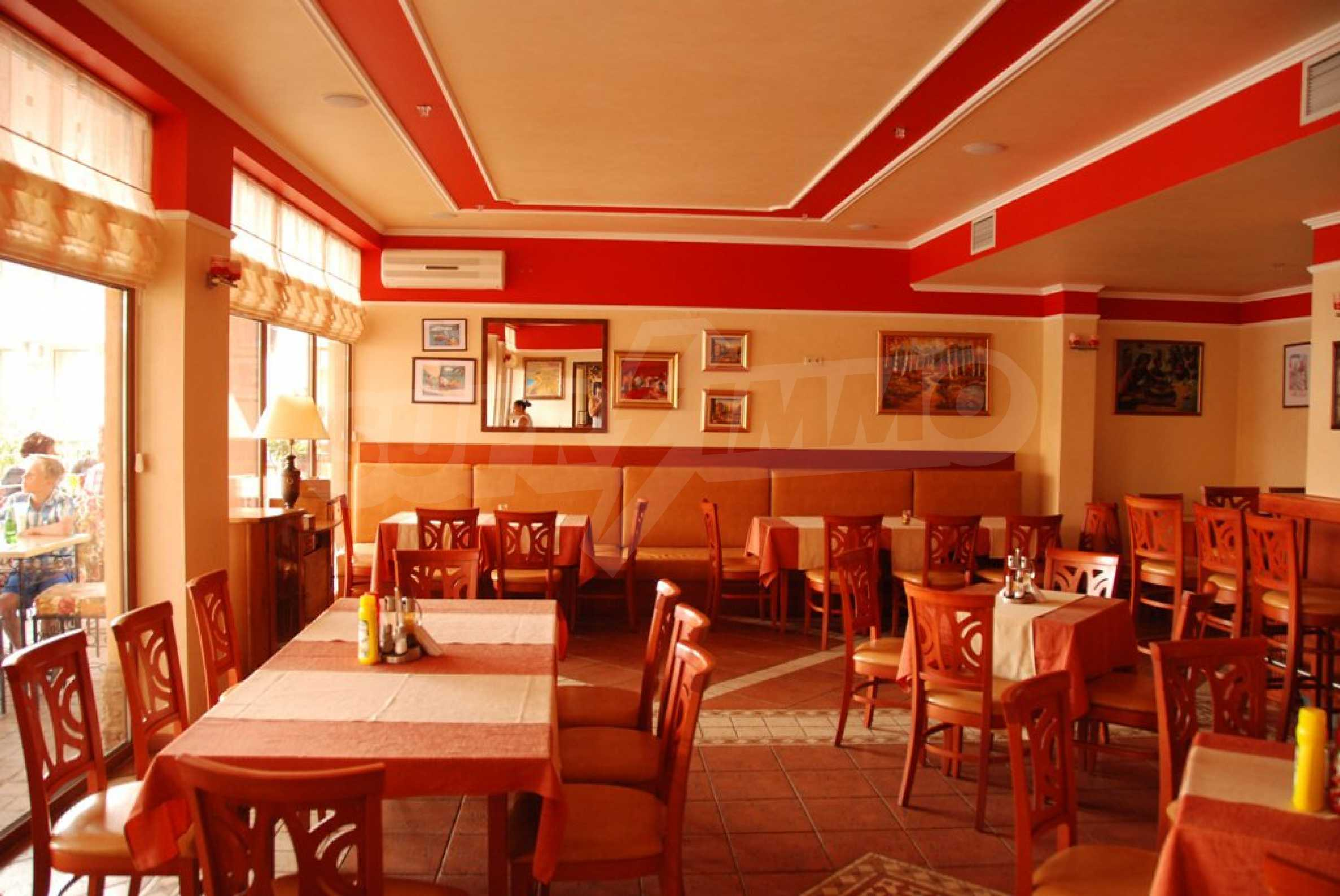 Luxury fully equipped restaurant 100m from the beach 4