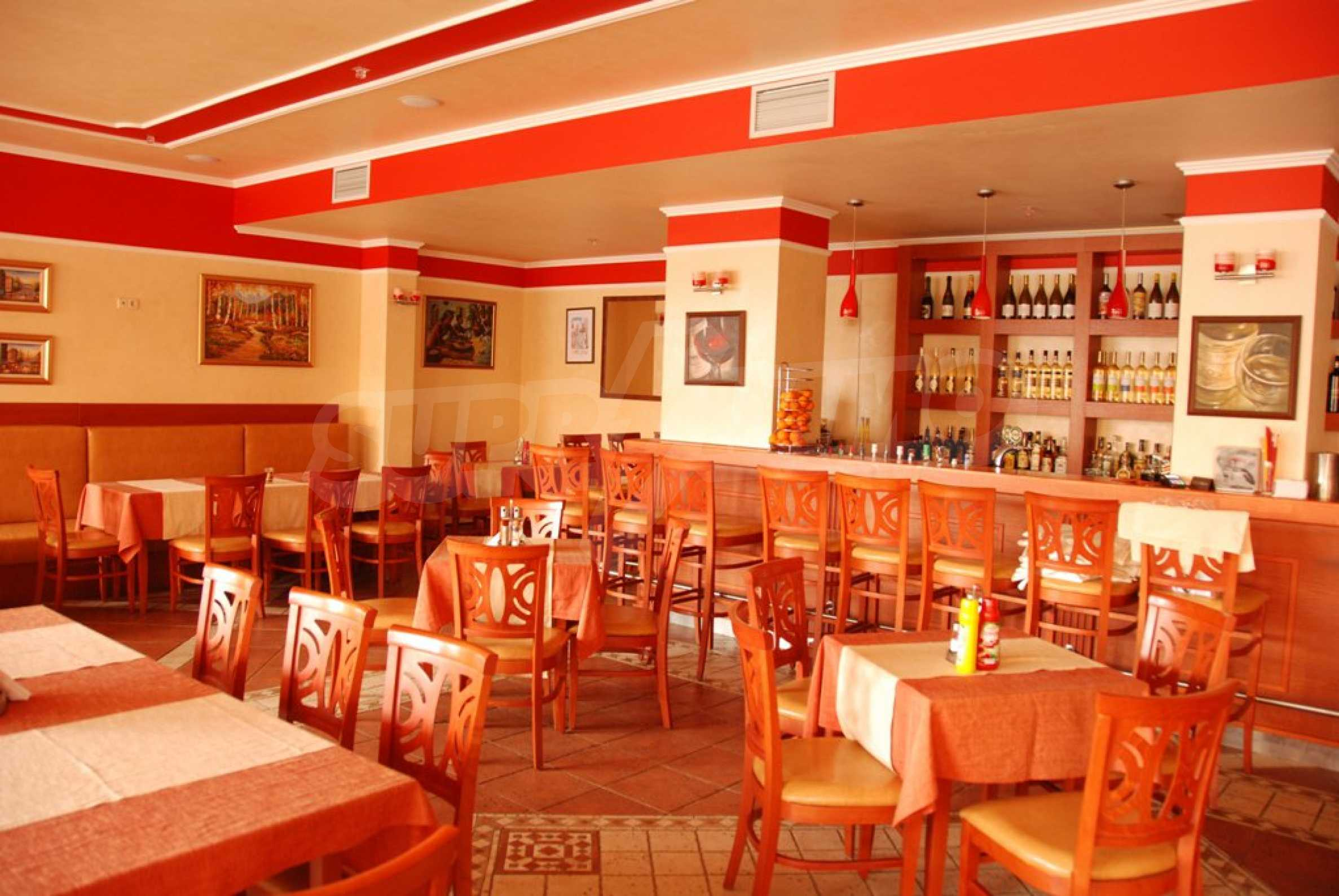 Luxury fully equipped restaurant 100m from the beach 5