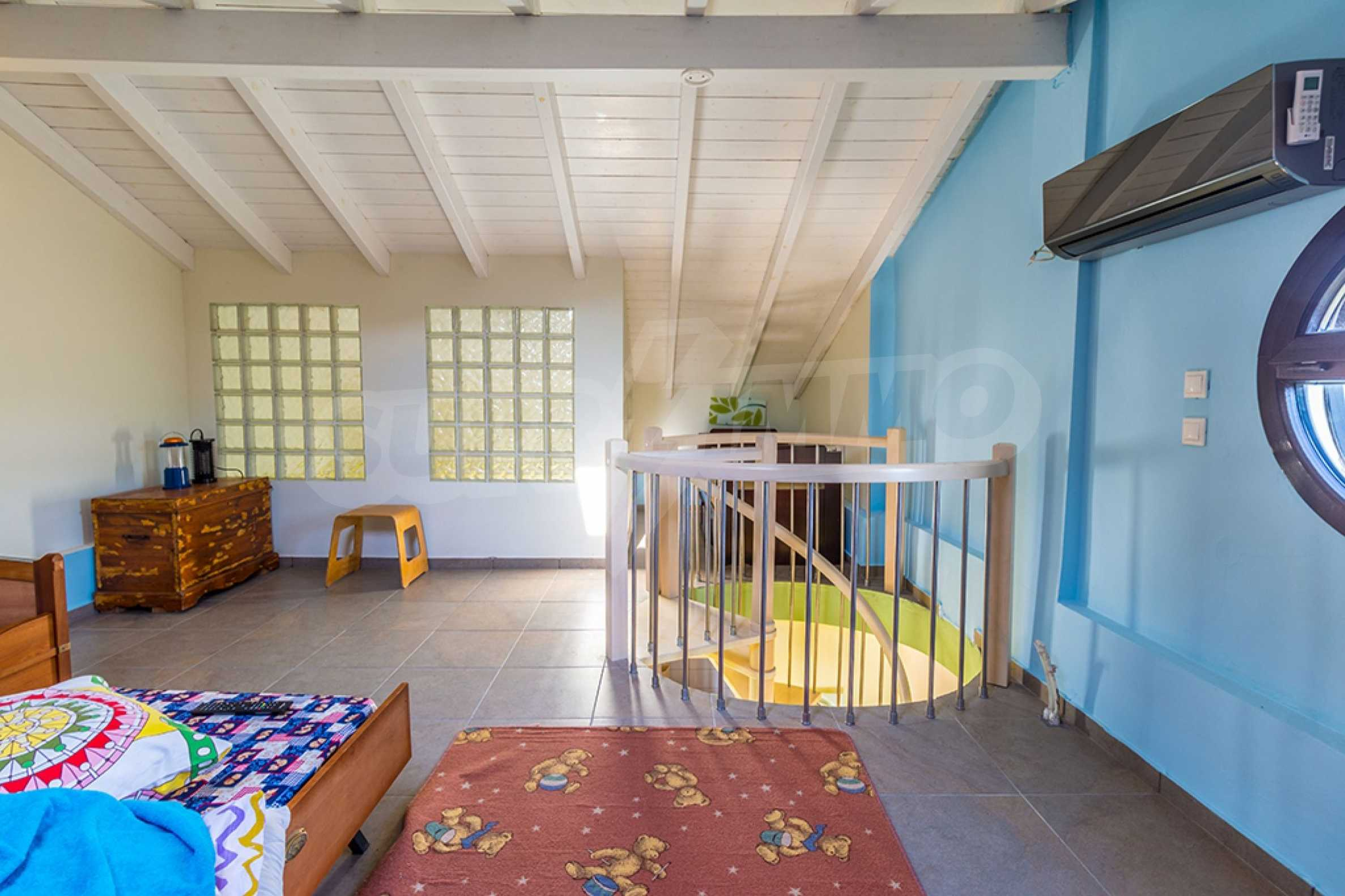 Къща  в  Сани 26