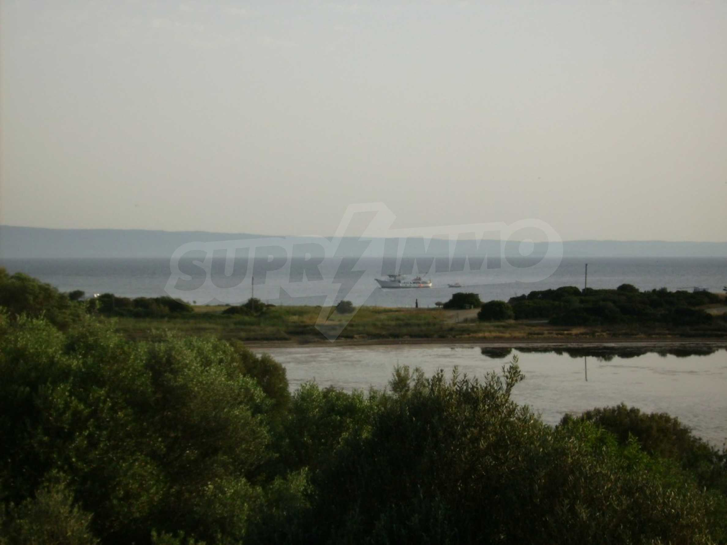 Земеделска земя  в  Остров Амулиани 2