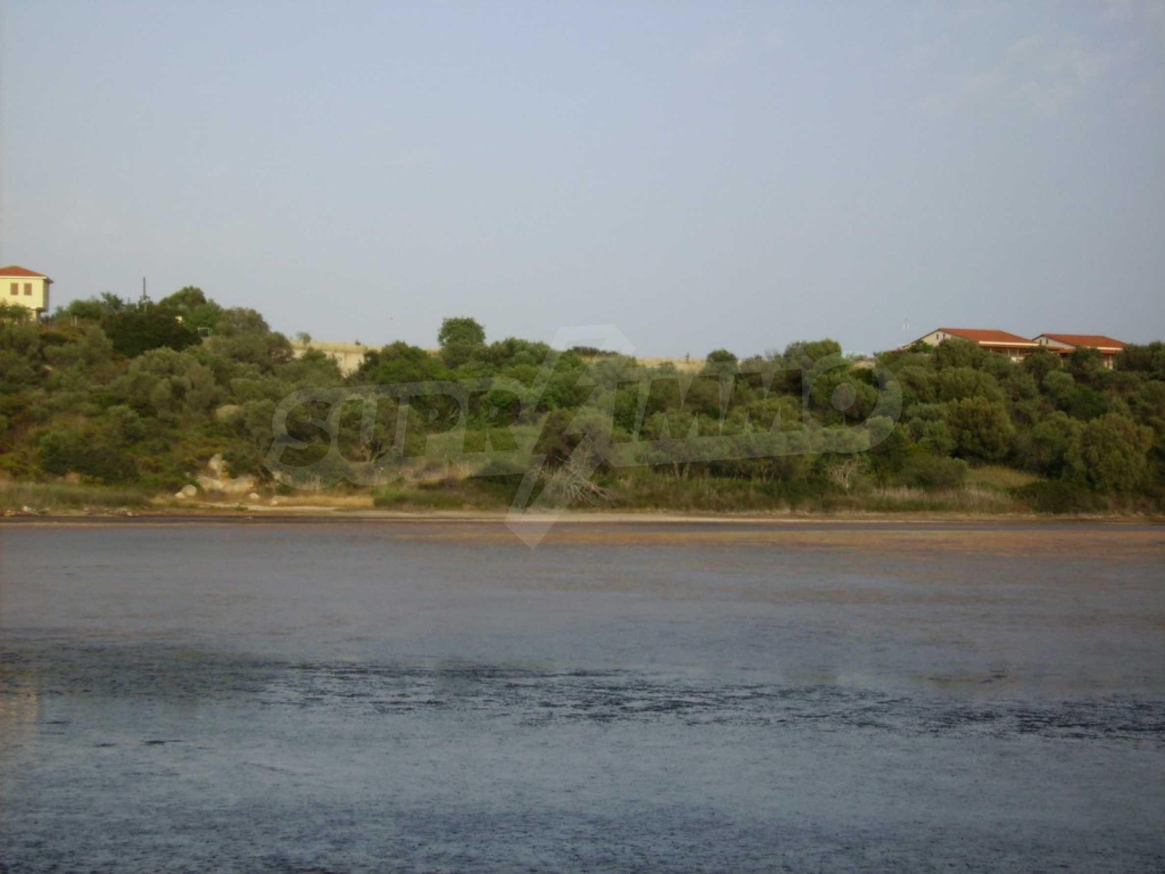Земеделска земя  в  Остров Амулиани 4