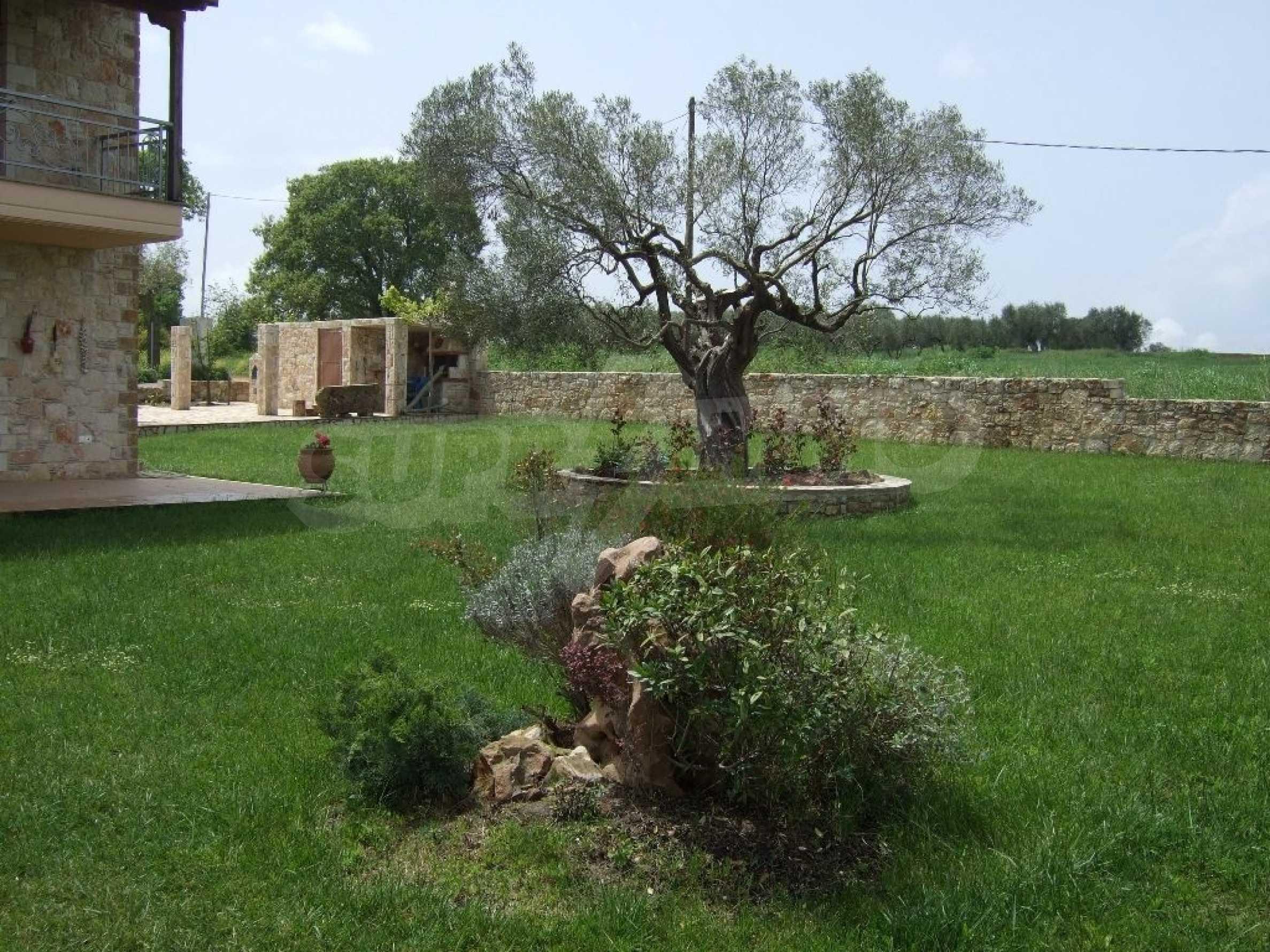 Къща  в  Афитос 1