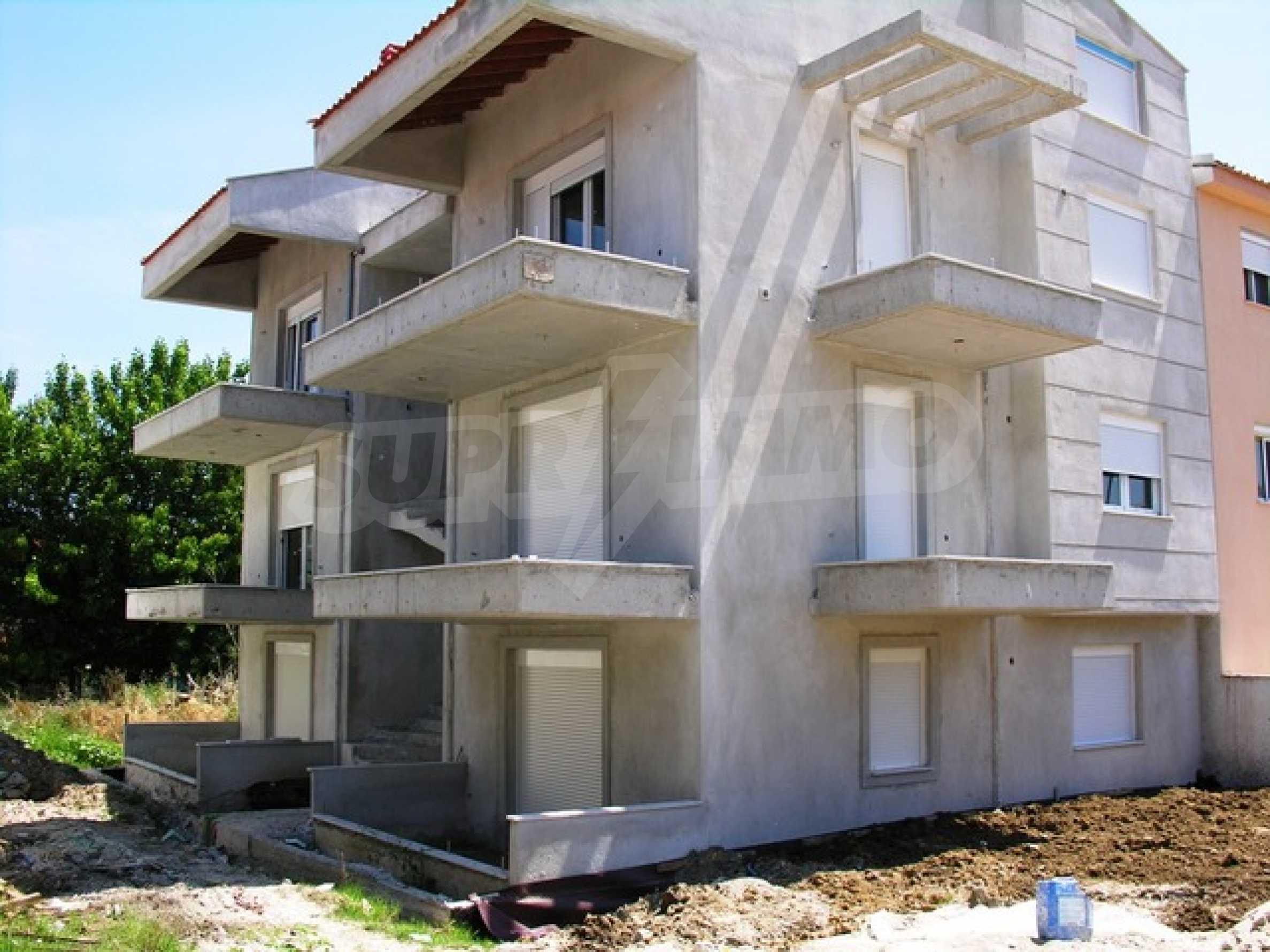 Къща  в  Полихроно 5
