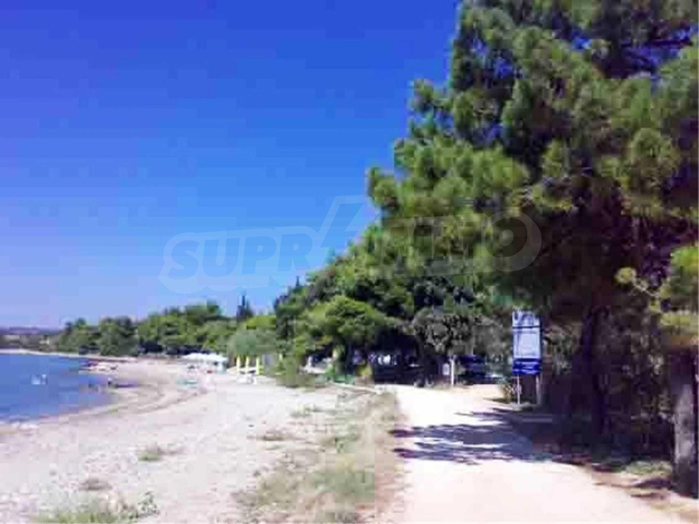 Къща с три спални на метри от плажа в Никити 8