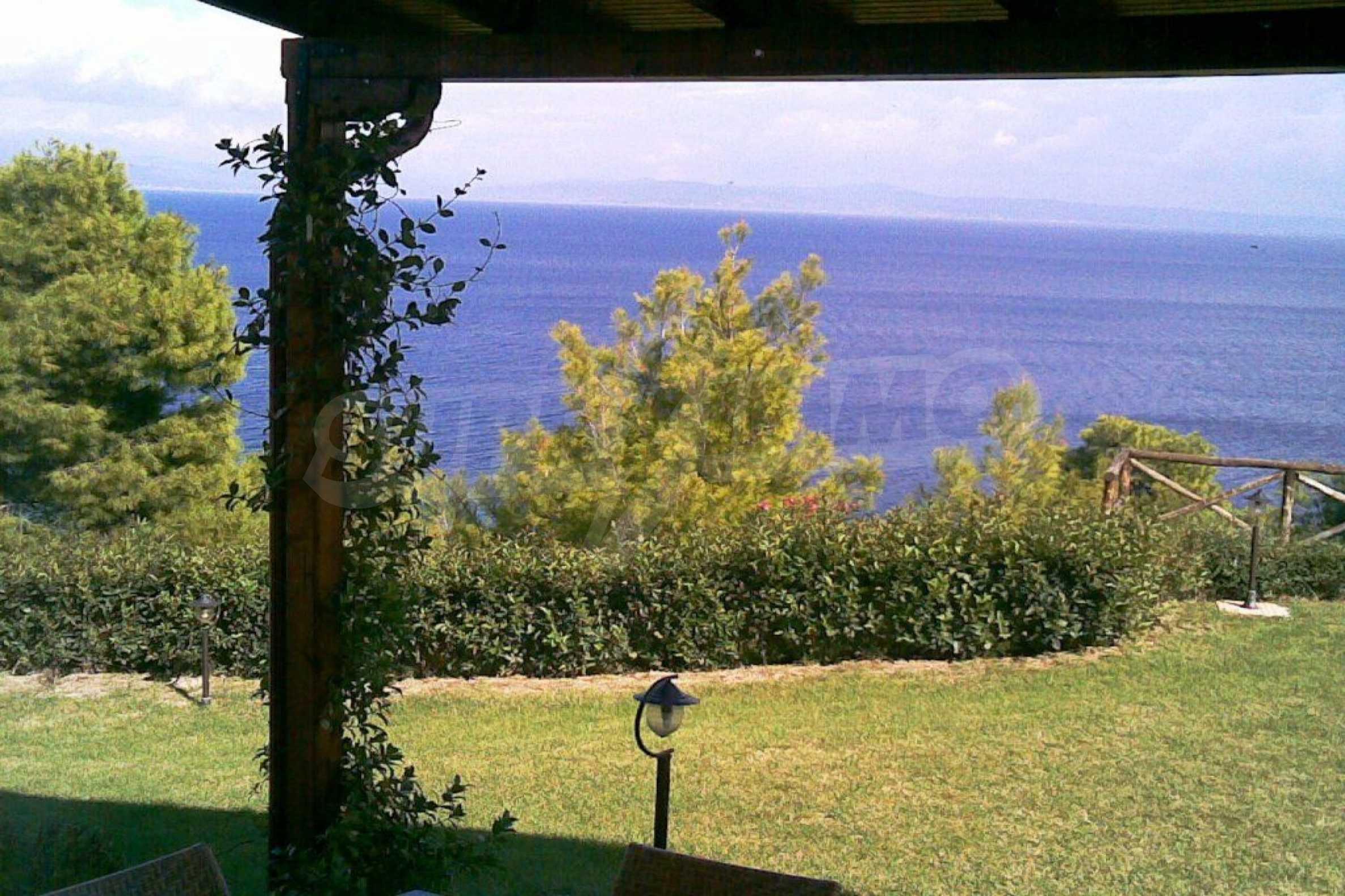 Редова къща само на сто метра от морето в Афитос, Касандра 1