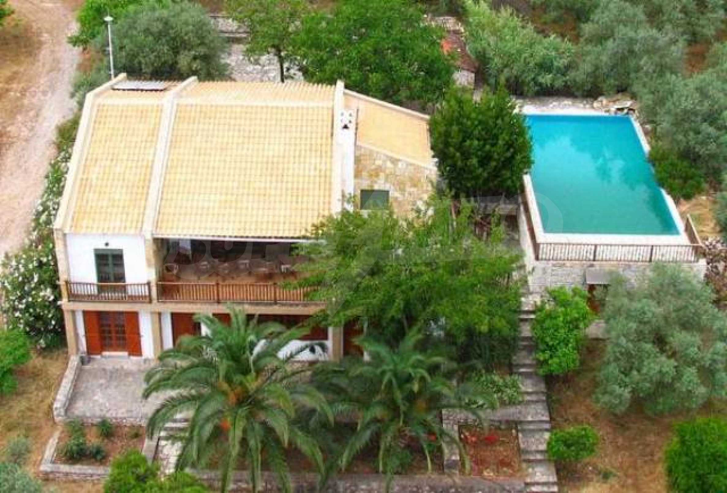 Вила в Гърция