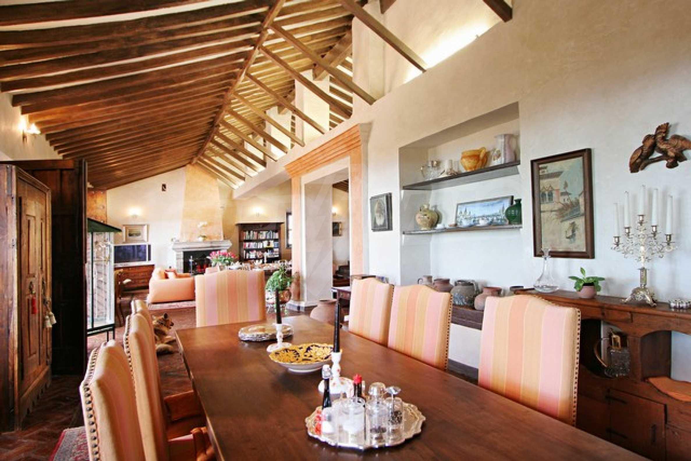 Къща в испански стил 17
