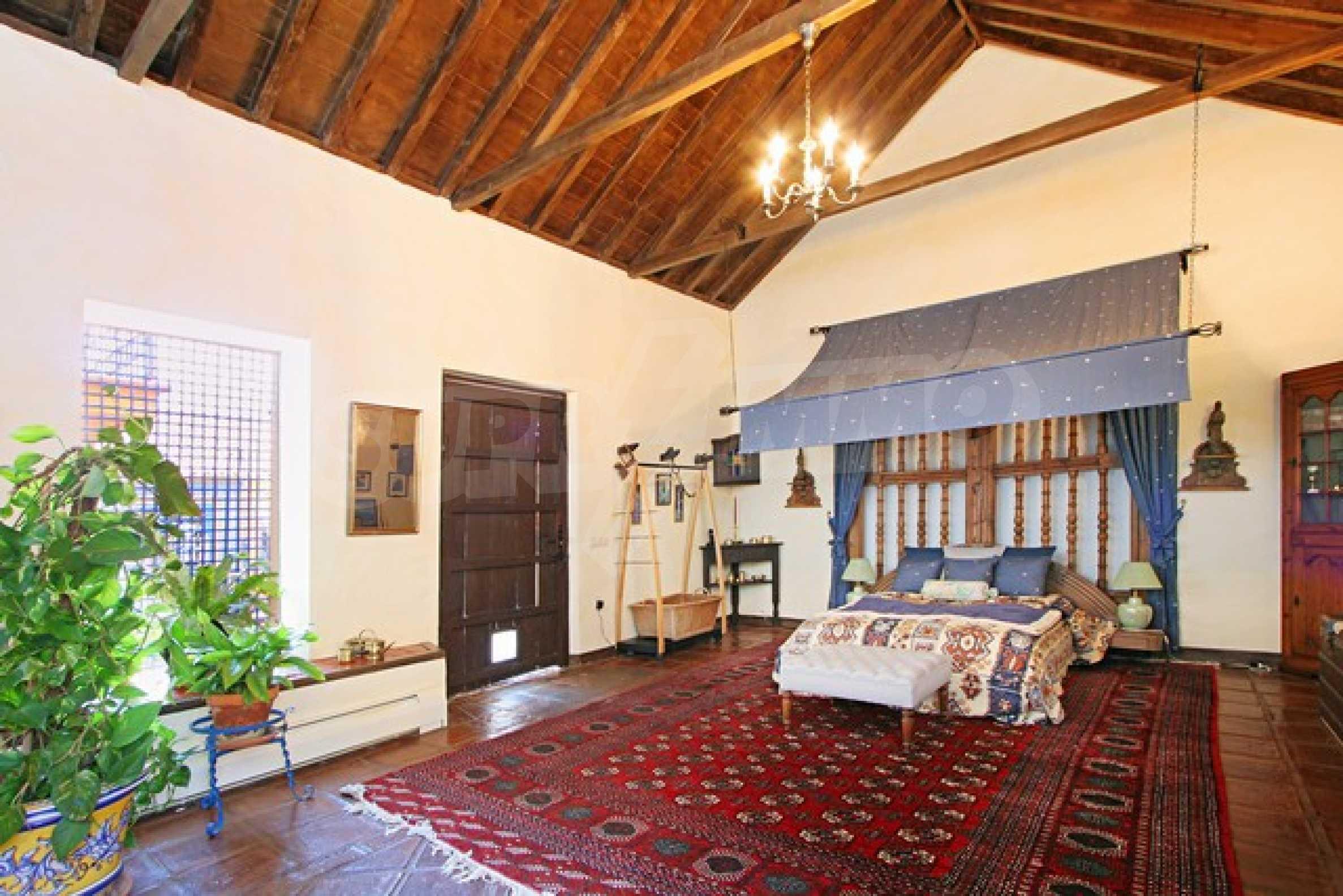 Къща в испански стил 18