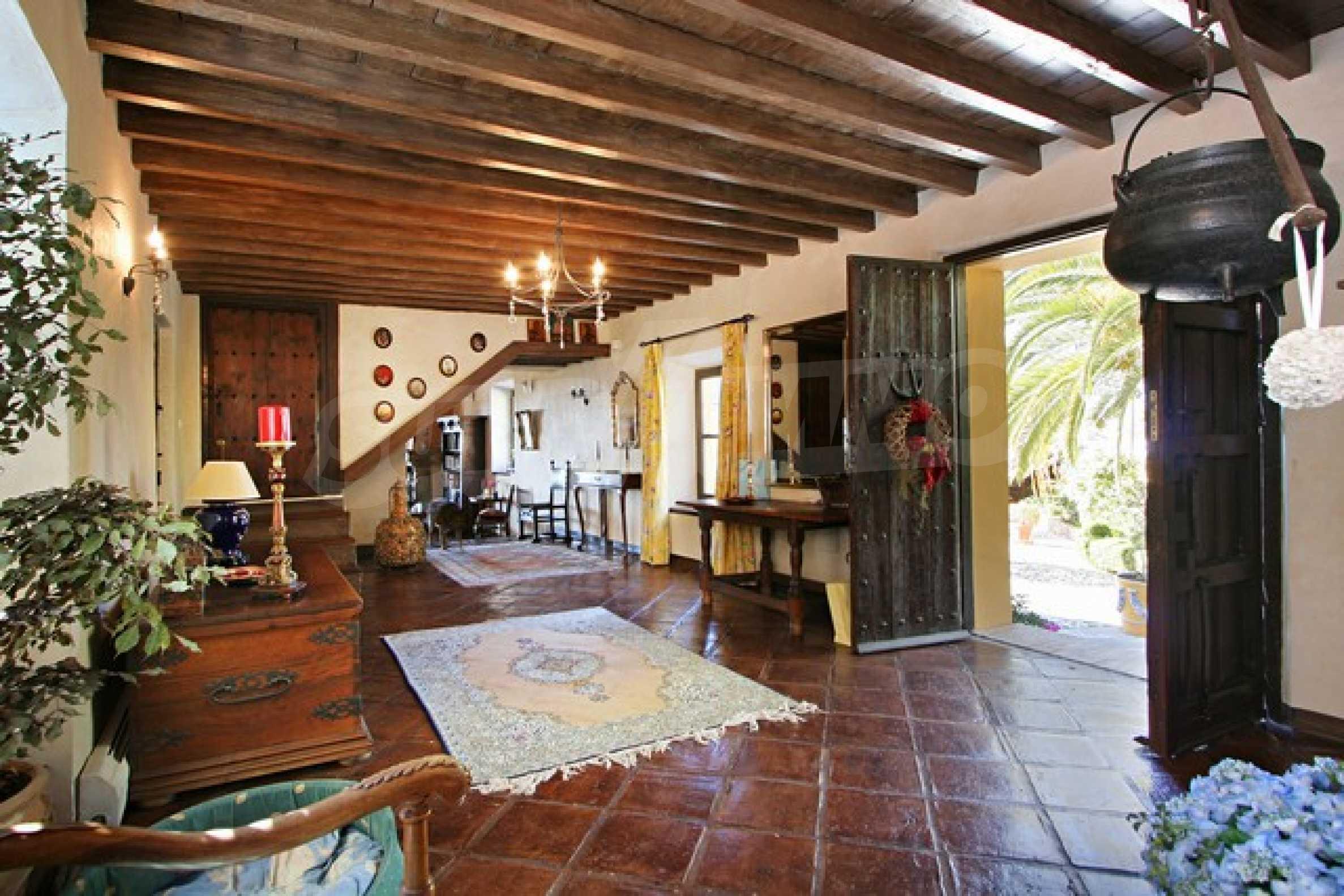Къща в испански стил 21