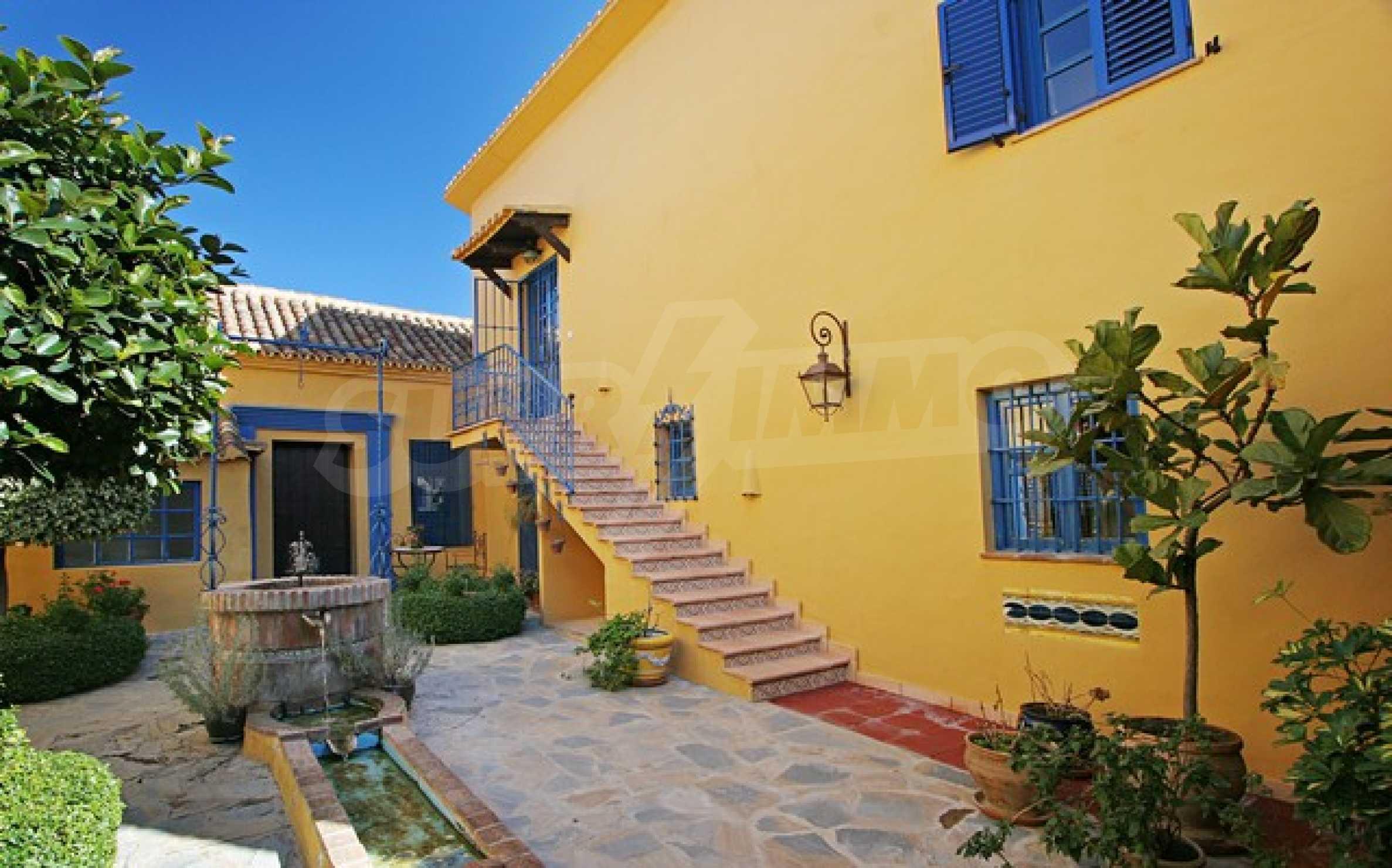 Къща в испански стил 4