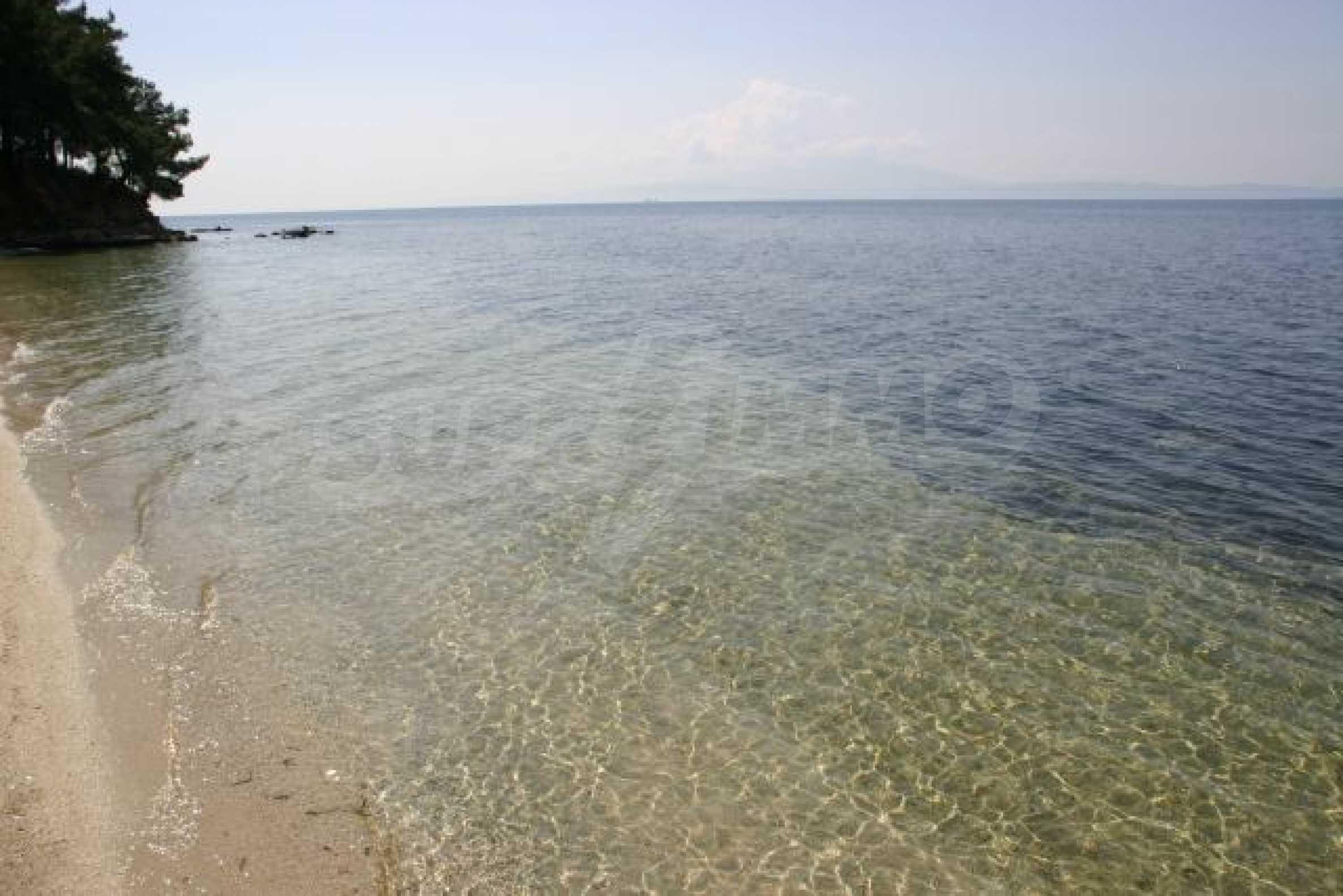 Имот на плажа 10