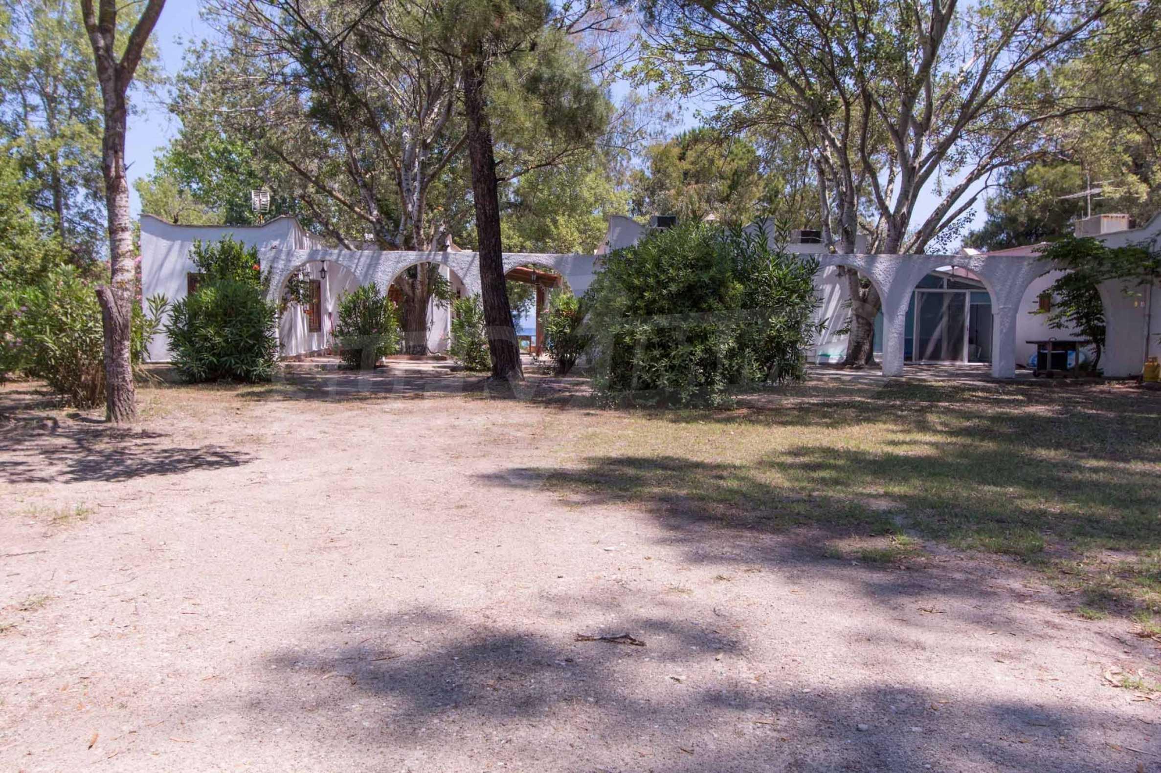 Къща  в  Пефкохори 16
