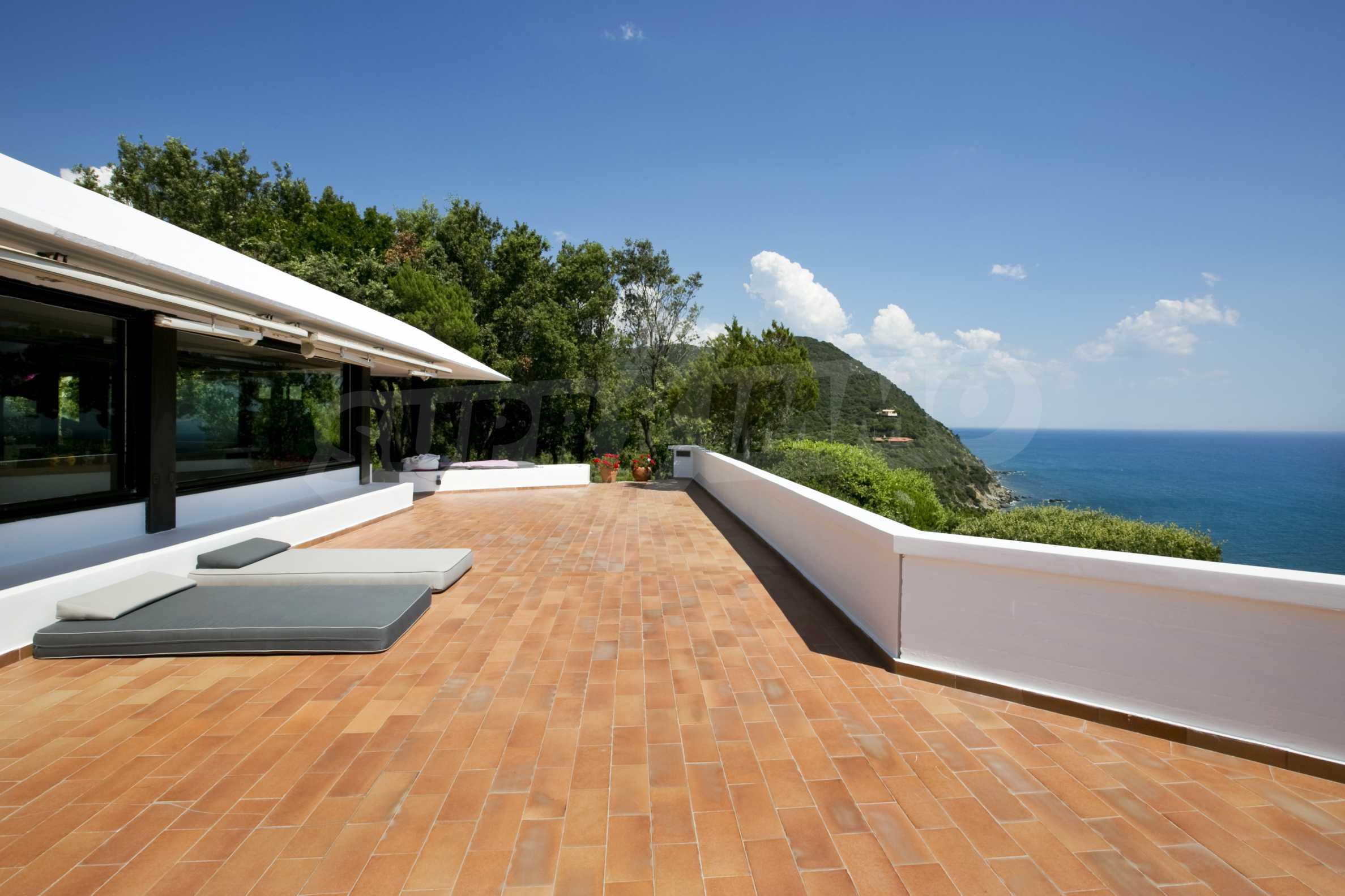 Изискана резиденция с морска гледка 1