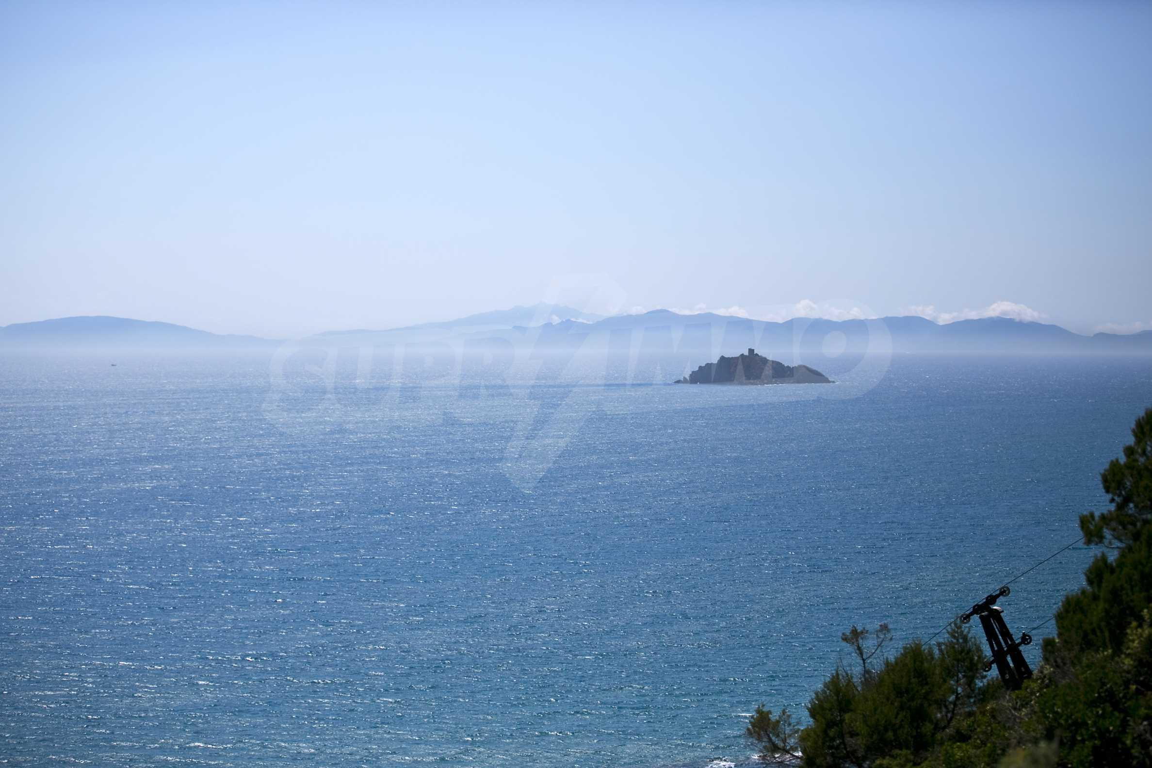 Изискана резиденция с морска гледка 17