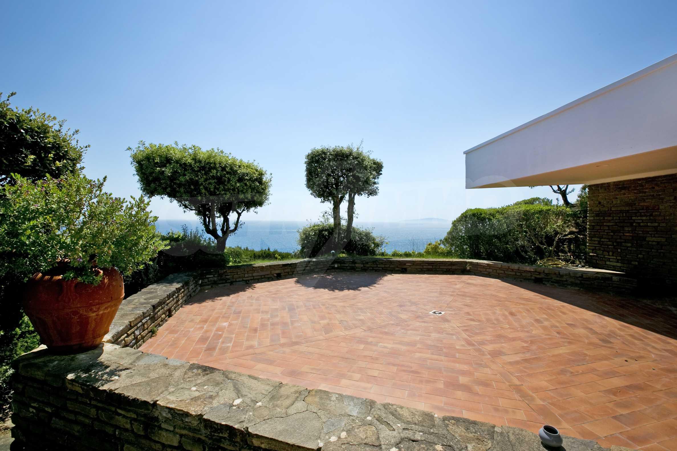 Изискана резиденция с морска гледка 2