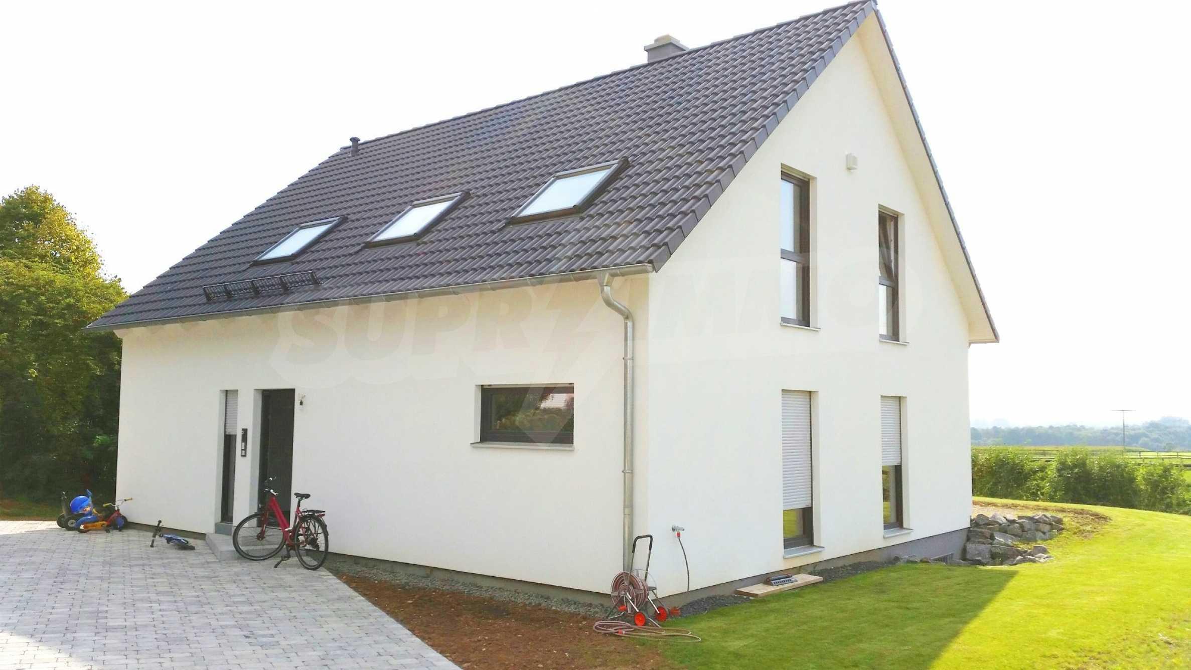Уникална къща в Алценау 16