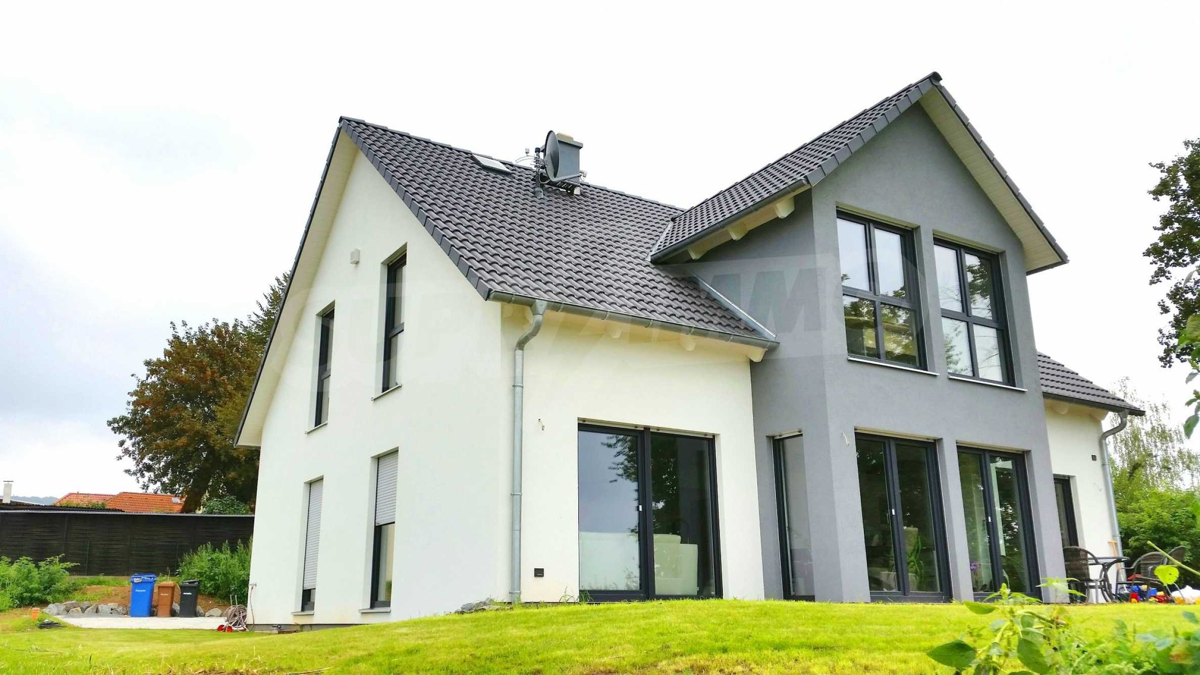 Уникална къща в Алценау 23