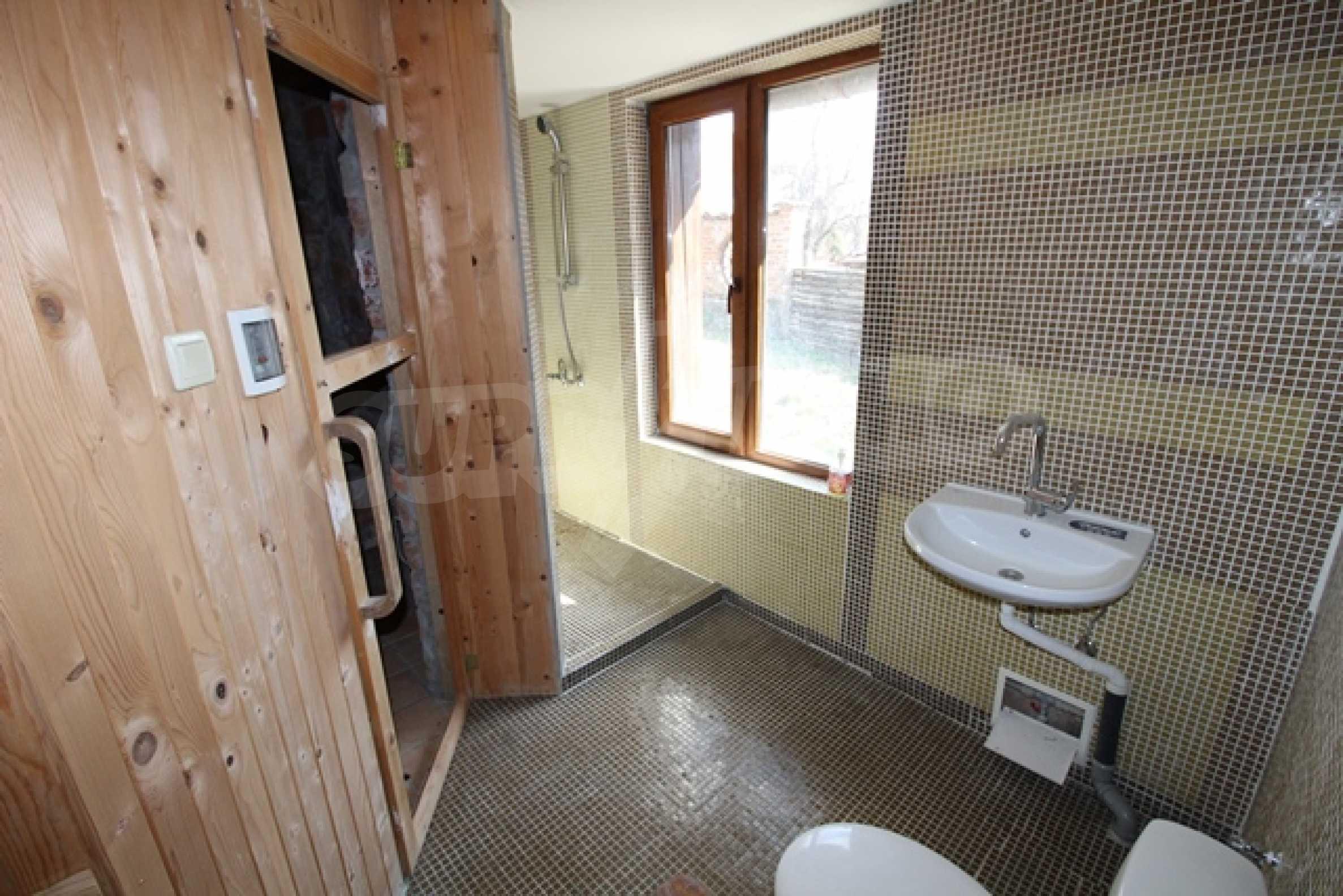 Реновирана двуетажна къща само на 2 км от Трявна 14