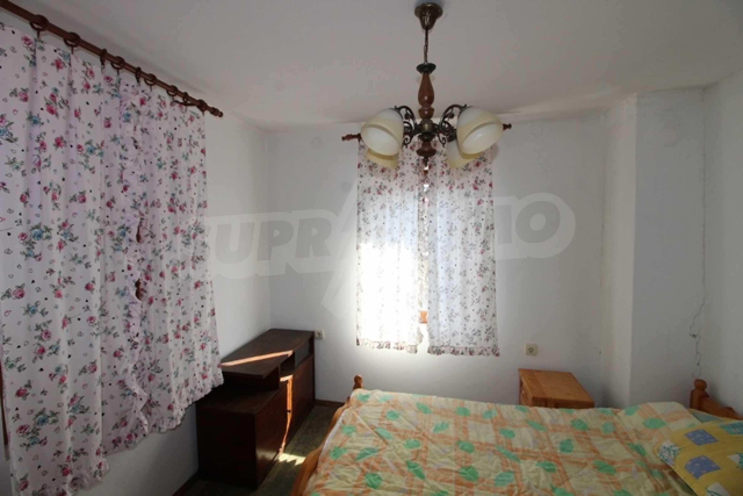 Реновирана двуетажна къща само на 2 км от Трявна 16