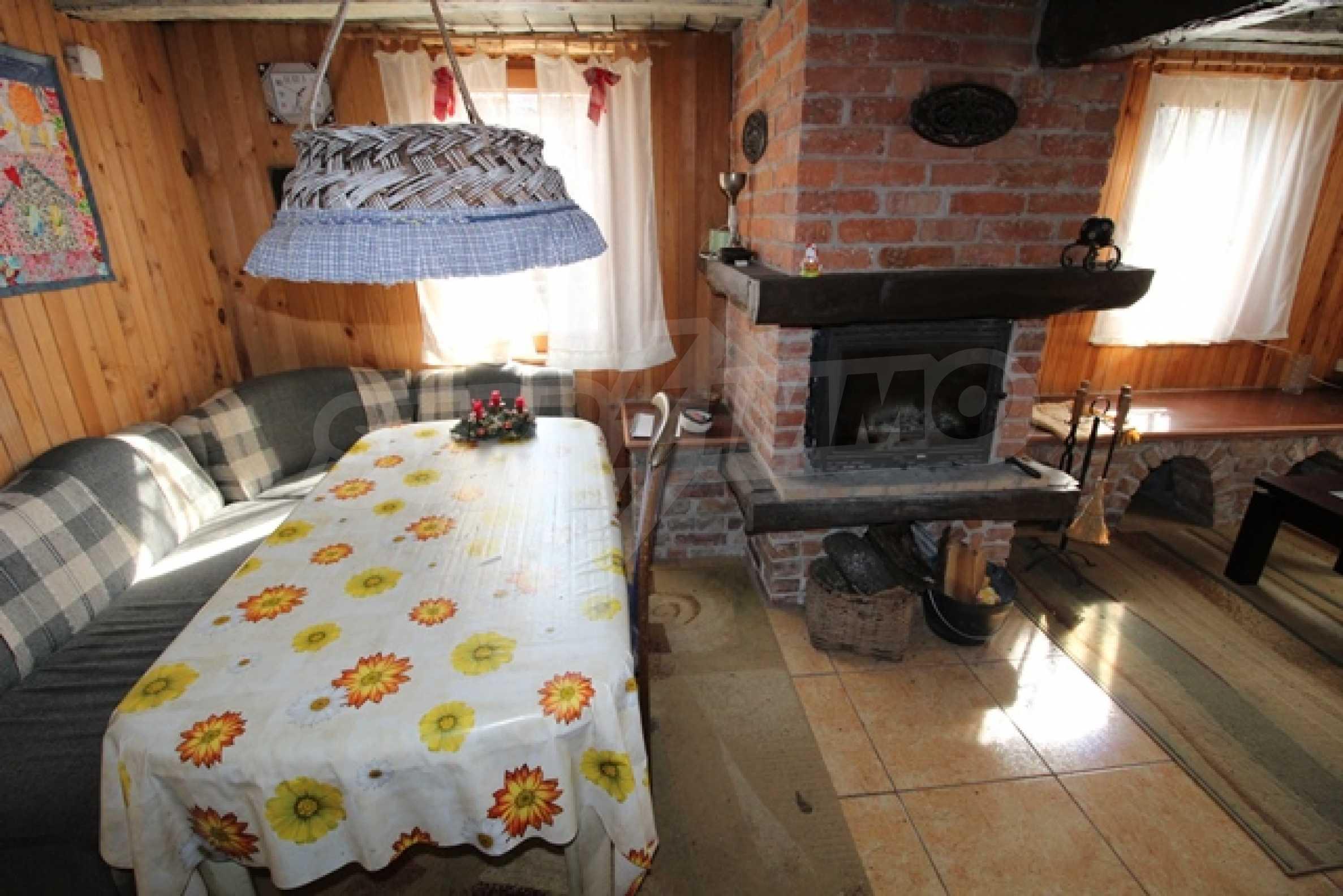 Реновирана двуетажна къща само на 2 км от Трявна 1