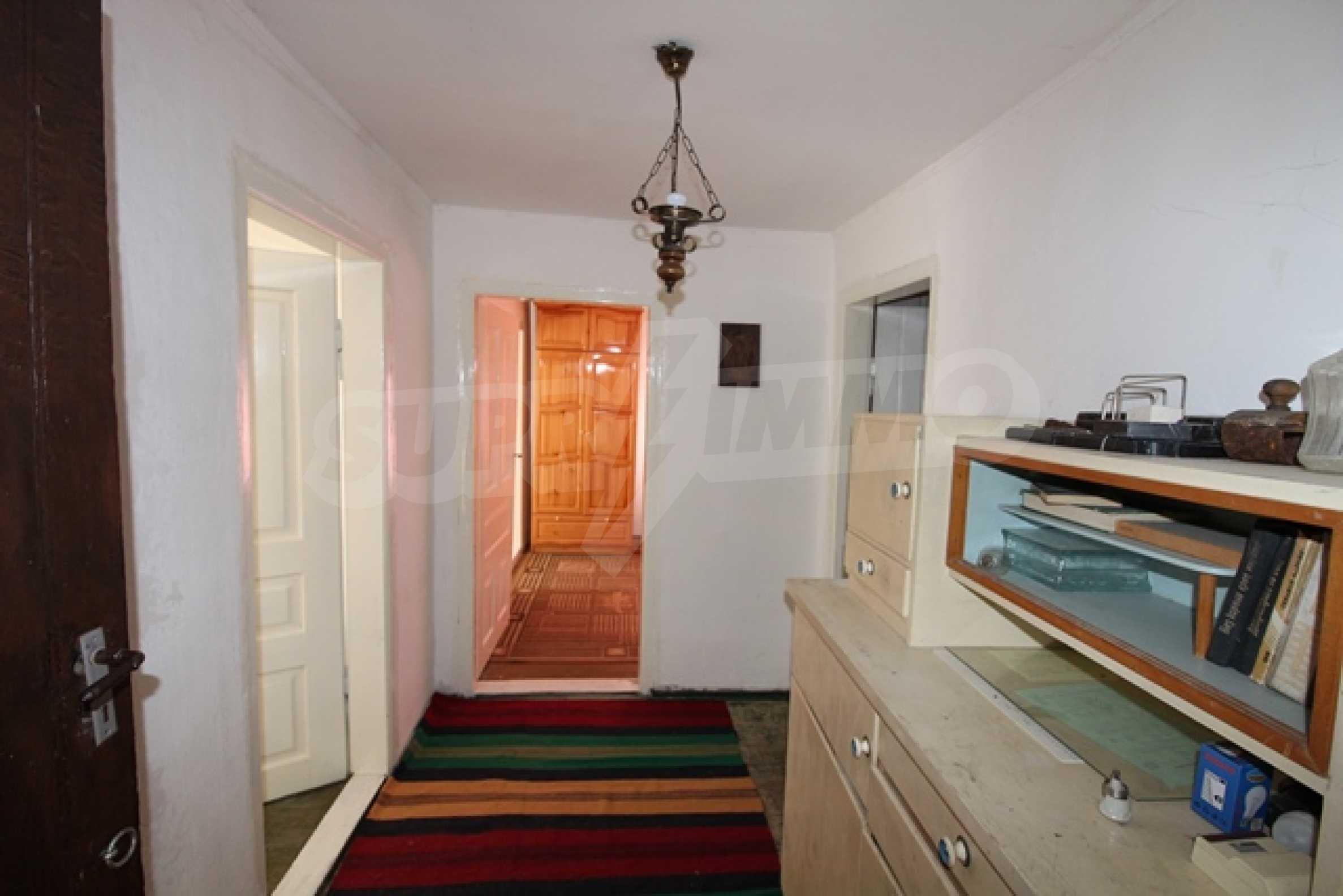 Реновирана двуетажна къща само на 2 км от Трявна 21