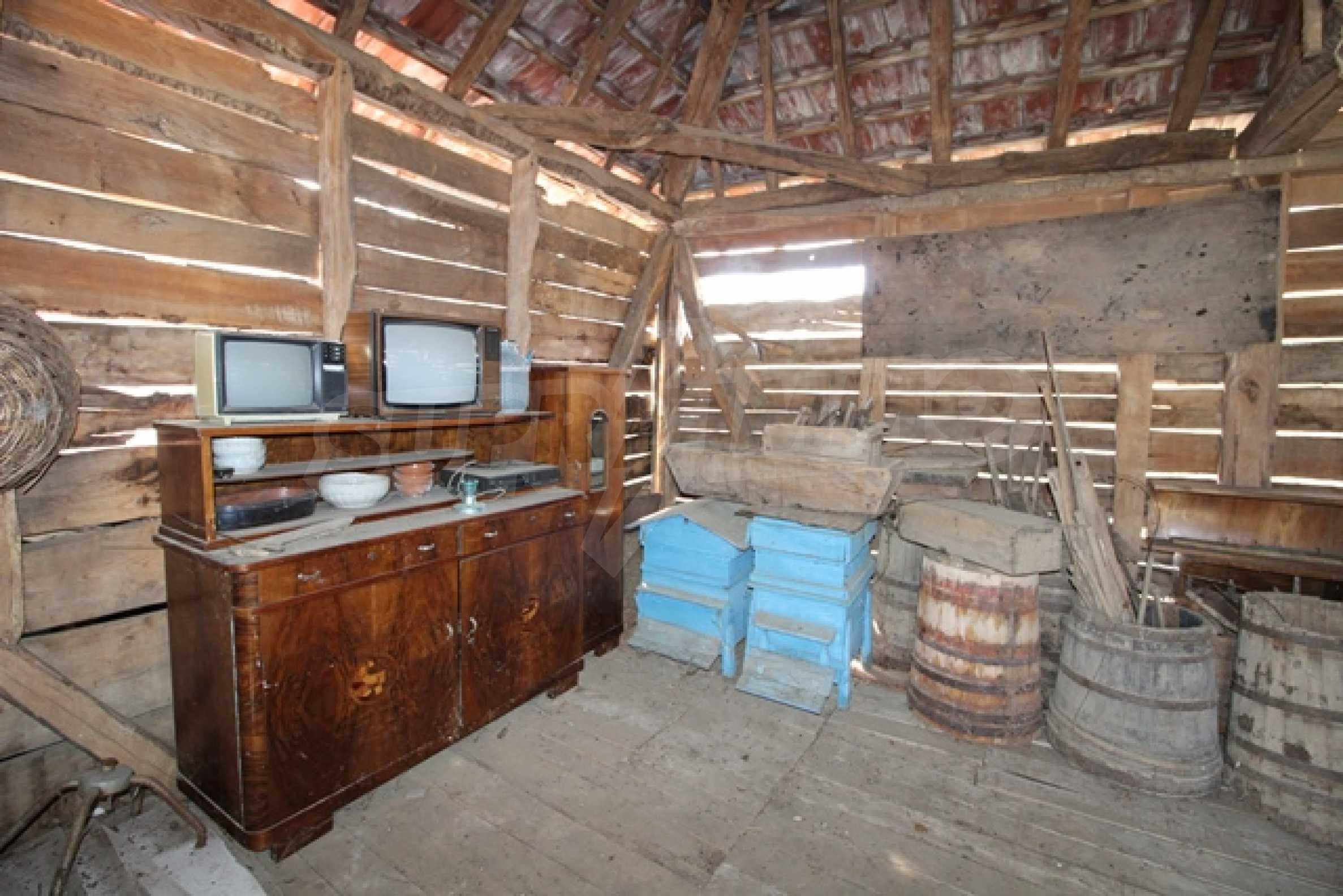 Реновирана двуетажна къща само на 2 км от Трявна 22
