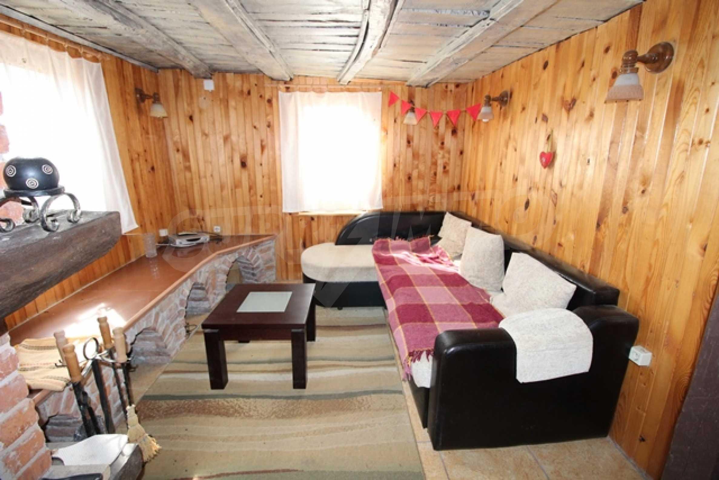 Реновирана двуетажна къща само на 2 км от Трявна 2