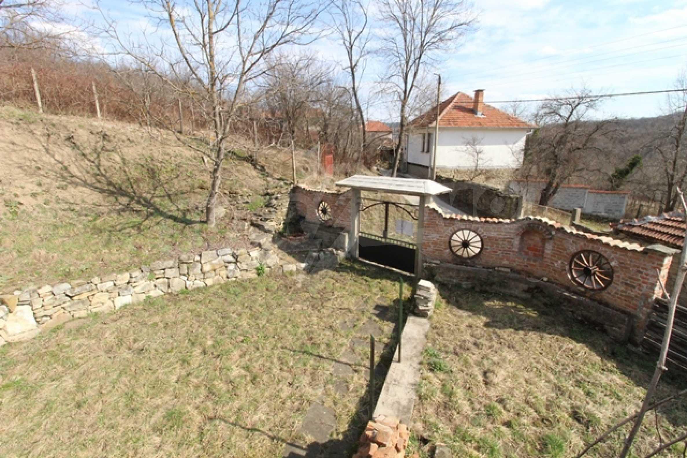 Реновирана двуетажна къща само на 2 км от Трявна 31