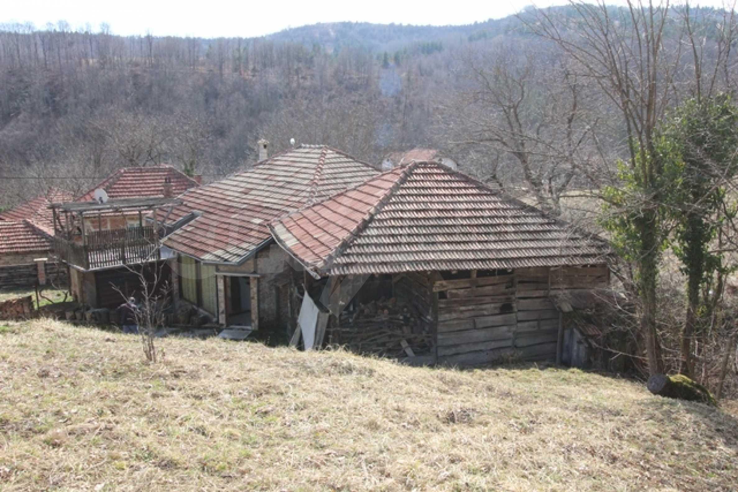 Реновирана двуетажна къща само на 2 км от Трявна 32