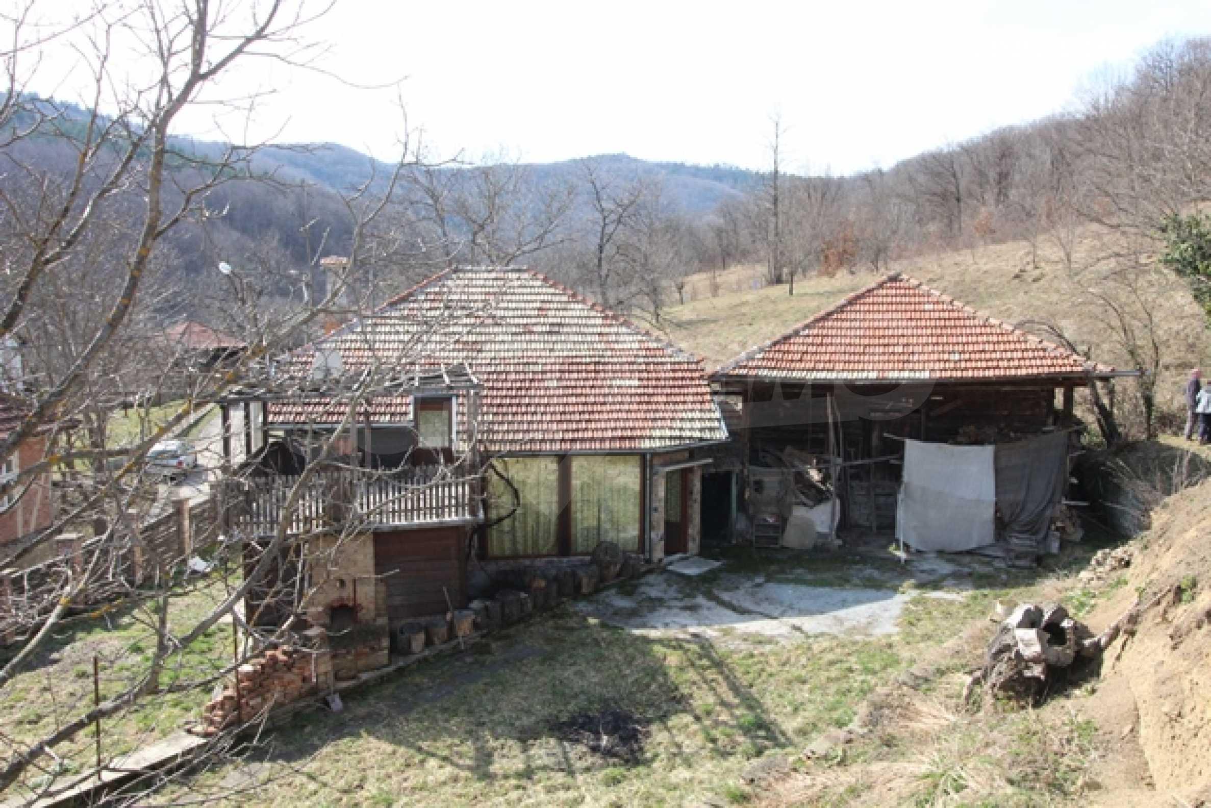 Реновирана двуетажна къща само на 2 км от Трявна 33