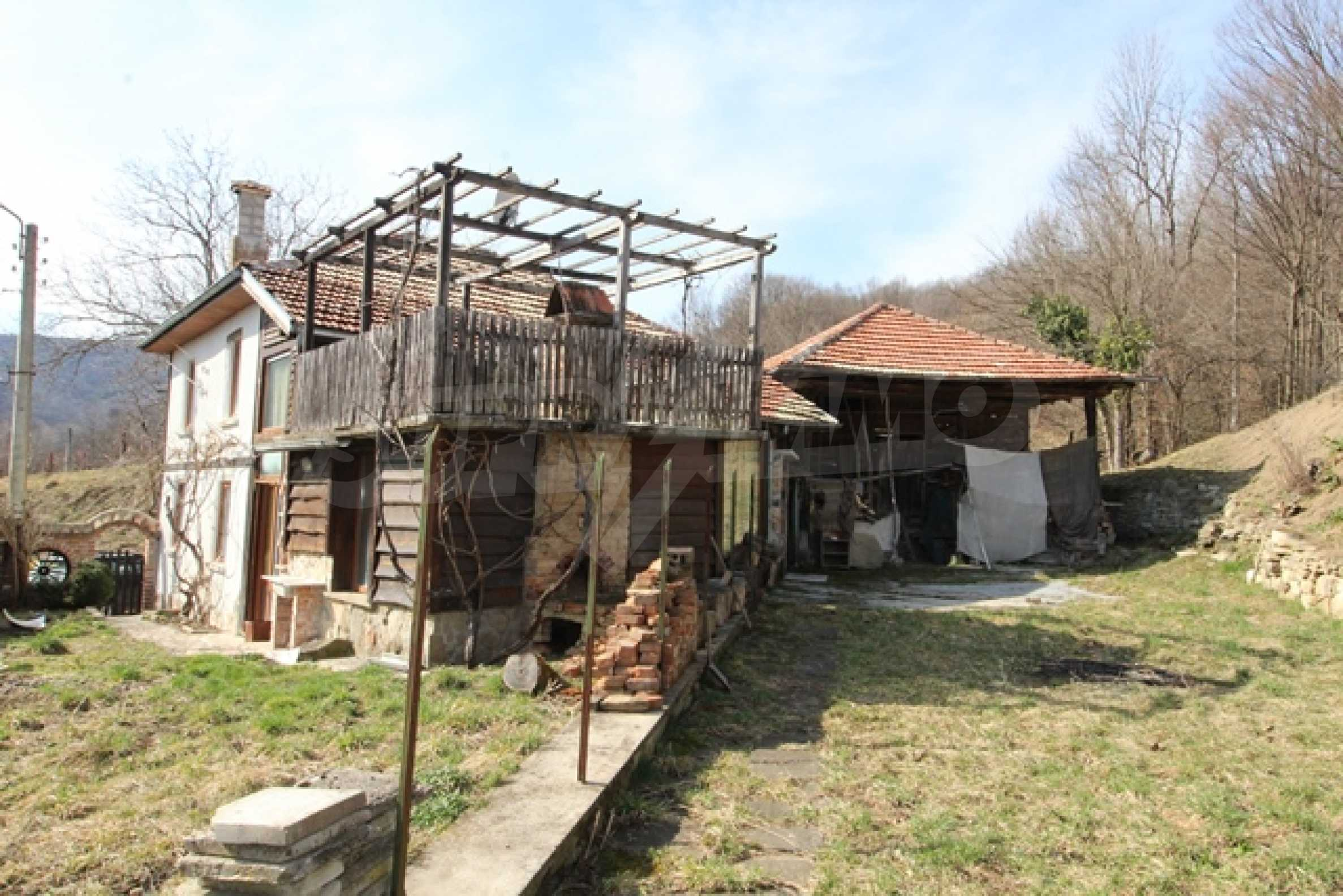 Реновирана двуетажна къща само на 2 км от Трявна 34