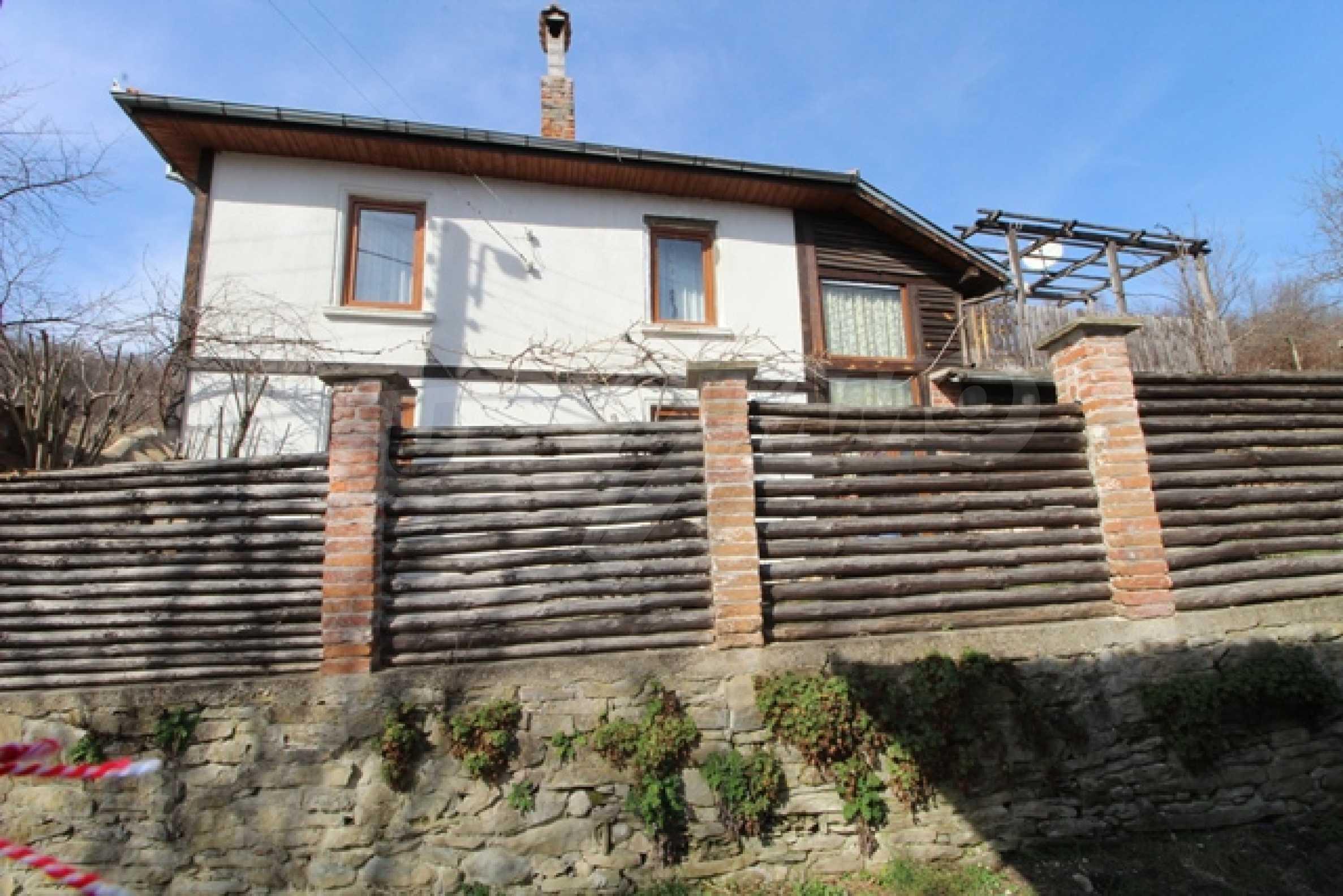 Реновирана двуетажна къща само на 2 км от Трявна 36
