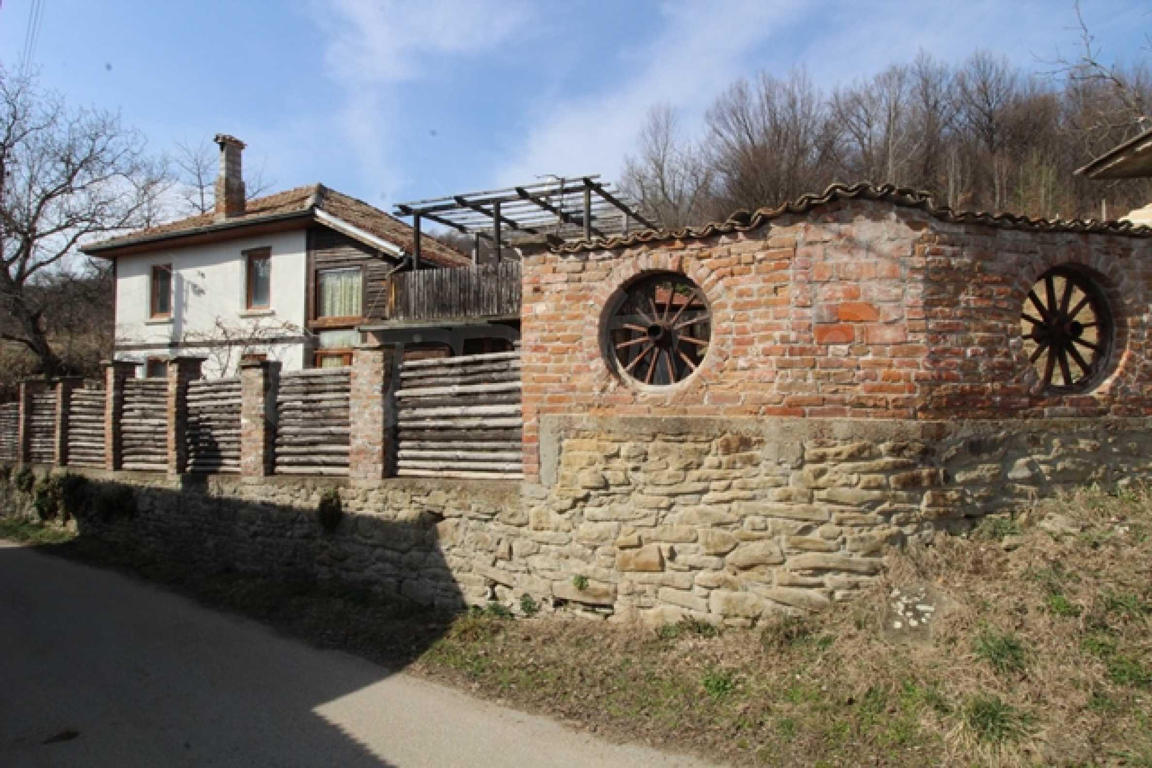 Реновирана двуетажна къща само на 2 км от Трявна 38