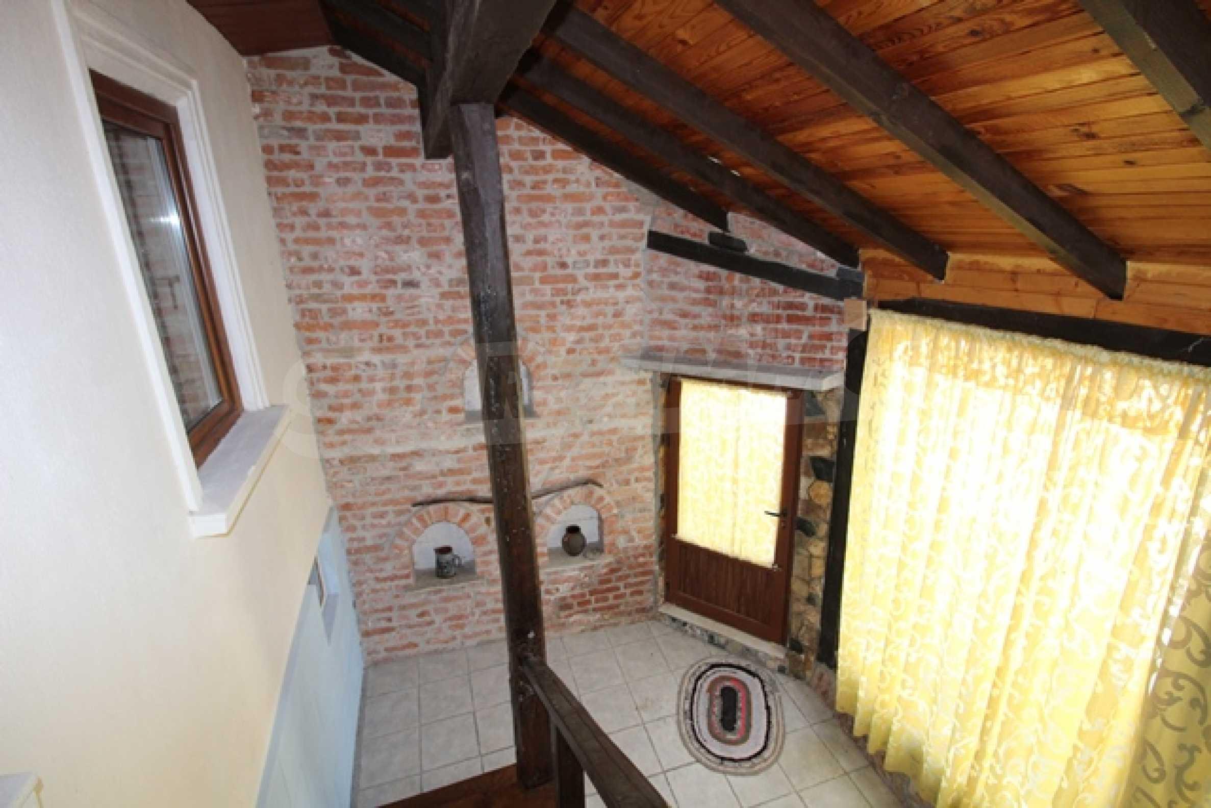 Реновирана двуетажна къща само на 2 км от Трявна 6