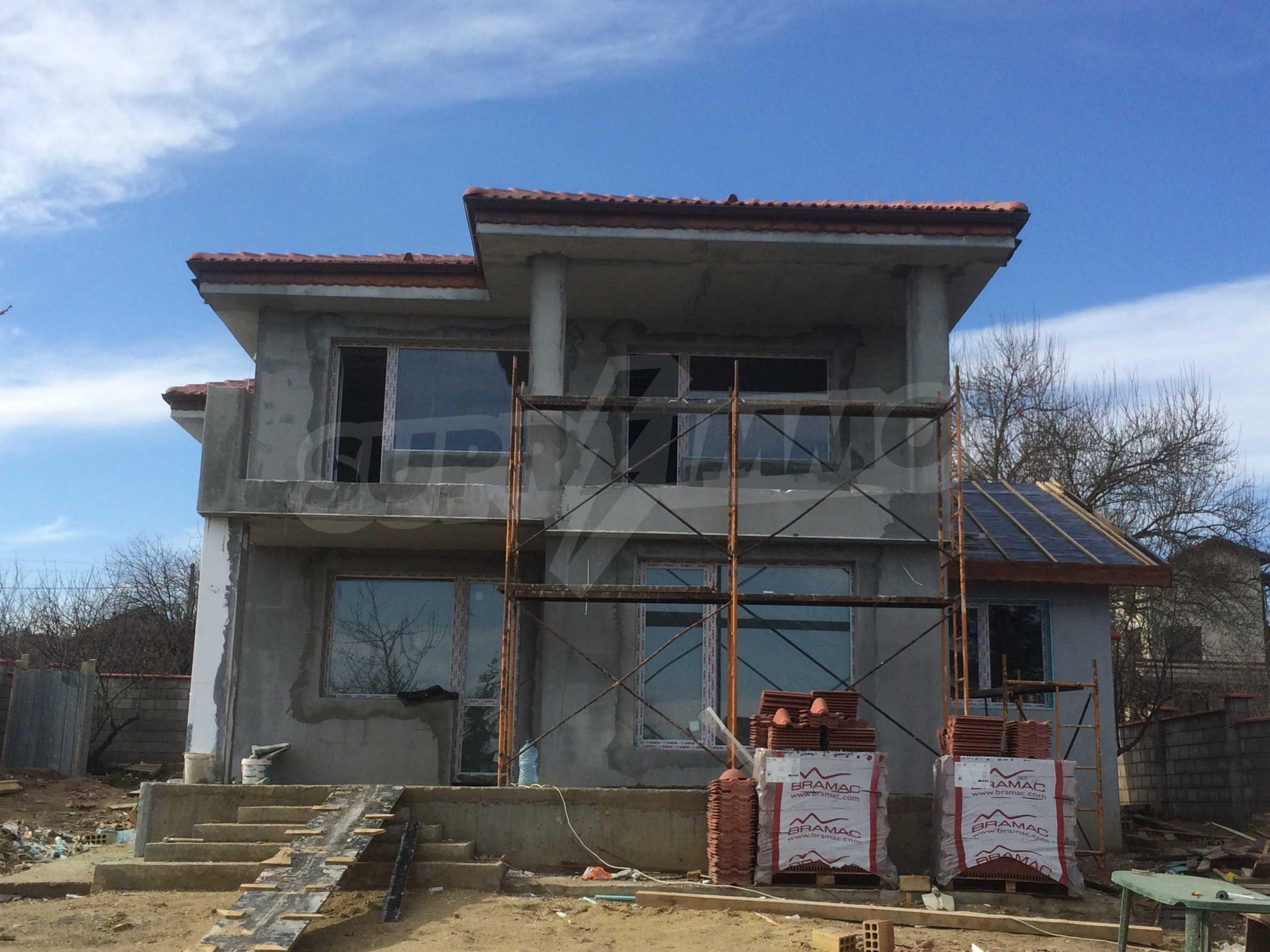 Двуетажна къща близо до Варна 4