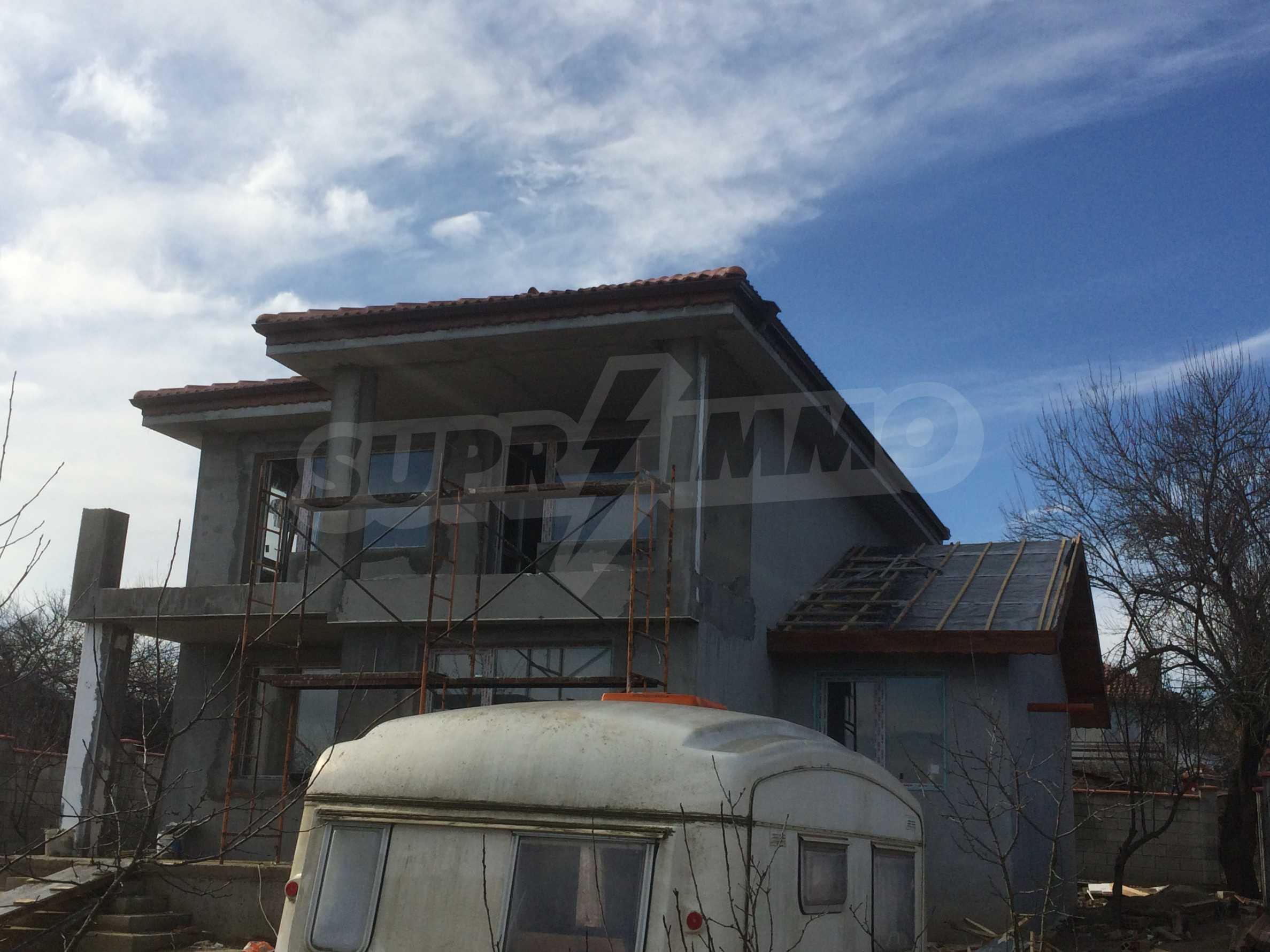 Двуетажна къща близо до Варна 5