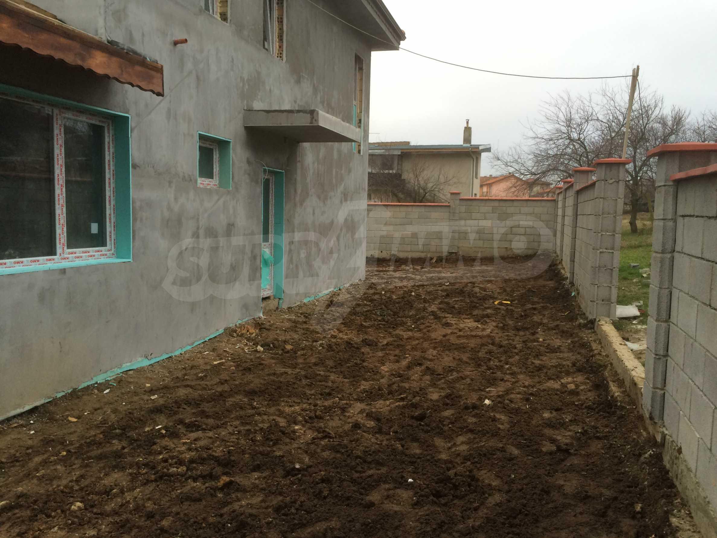 Двуетажна къща близо до Варна 6