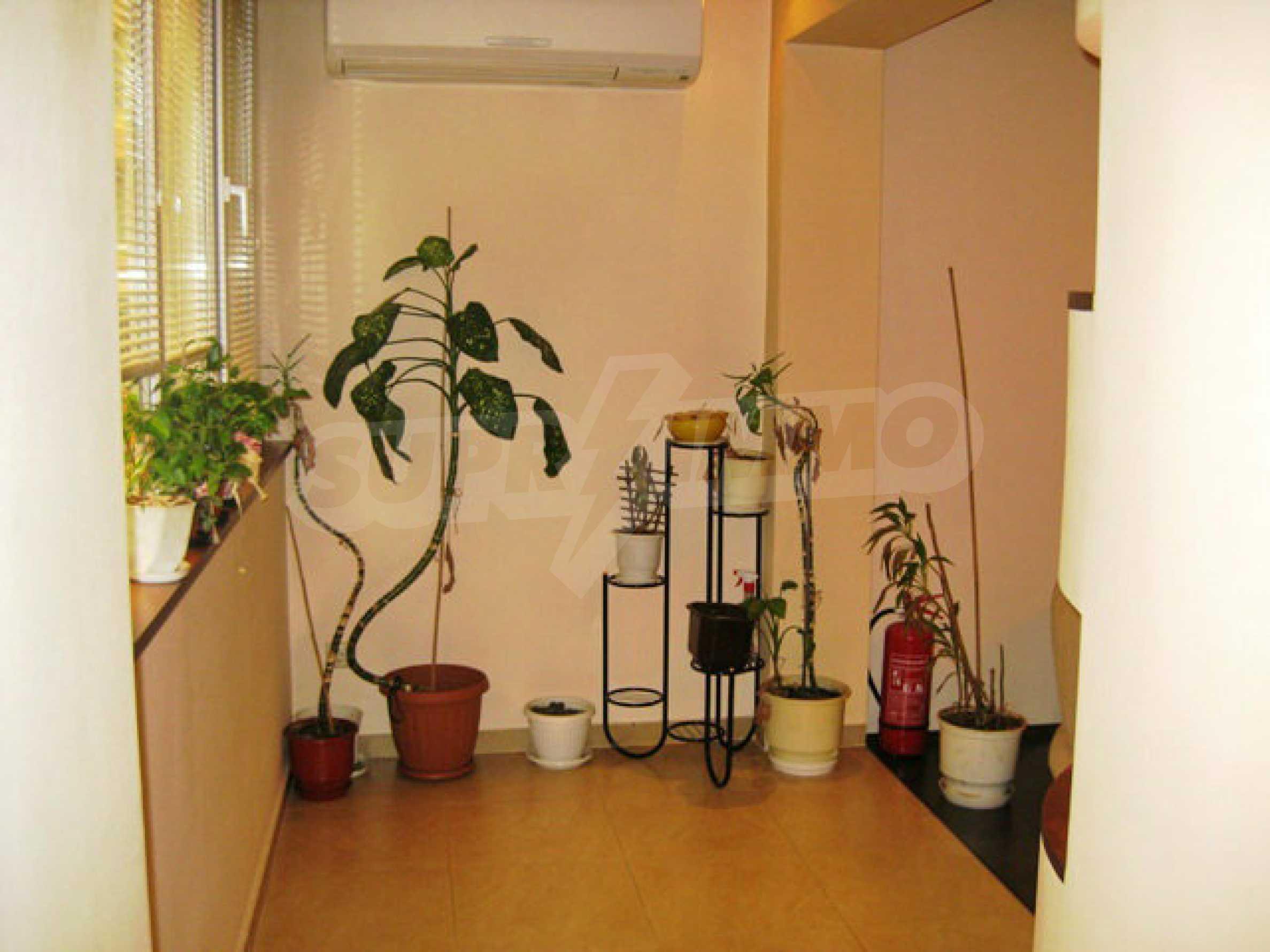 Апартамент за продажба в кв. Редута 11