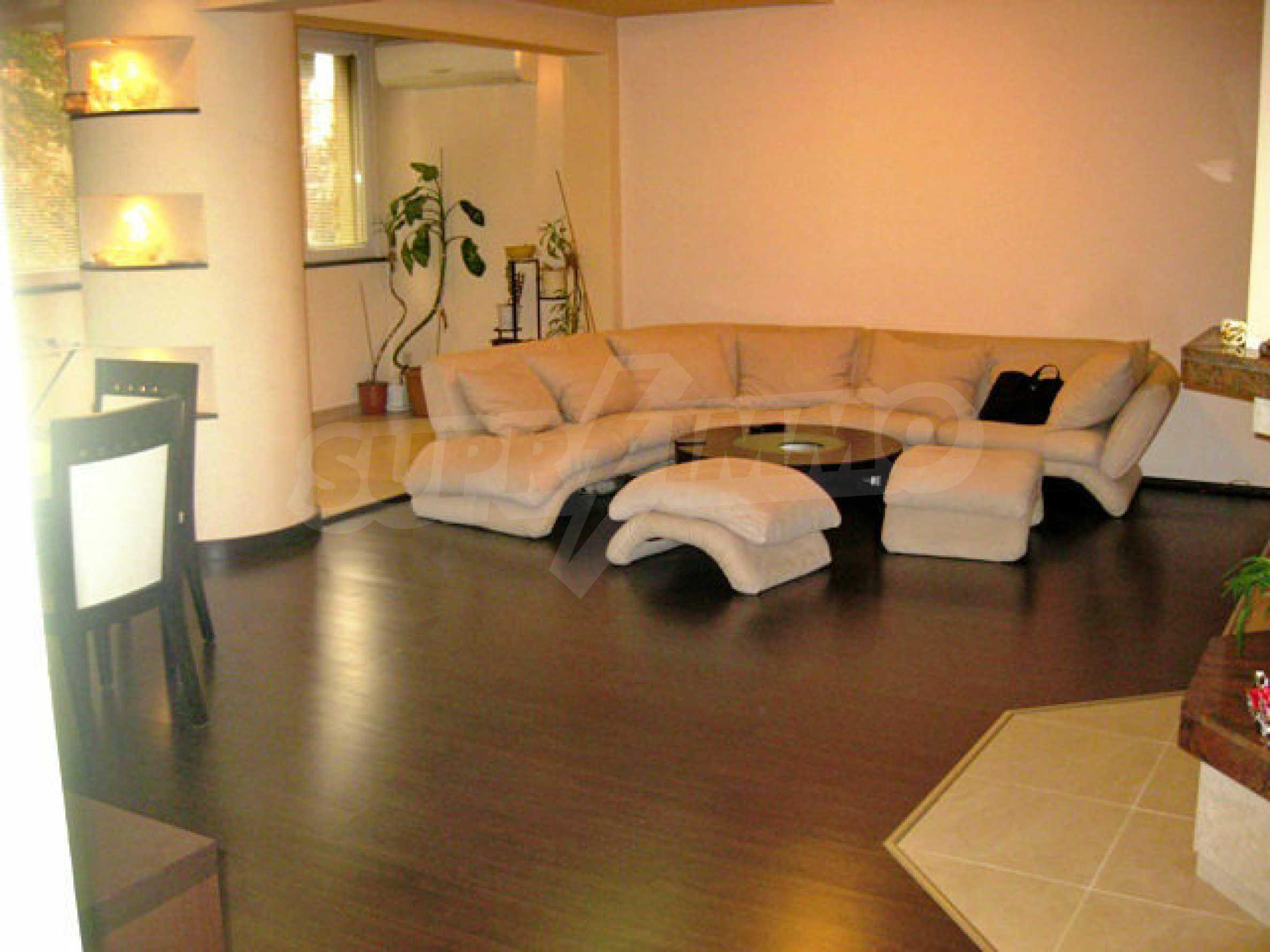 Апартамент за продажба в кв. Редута 1