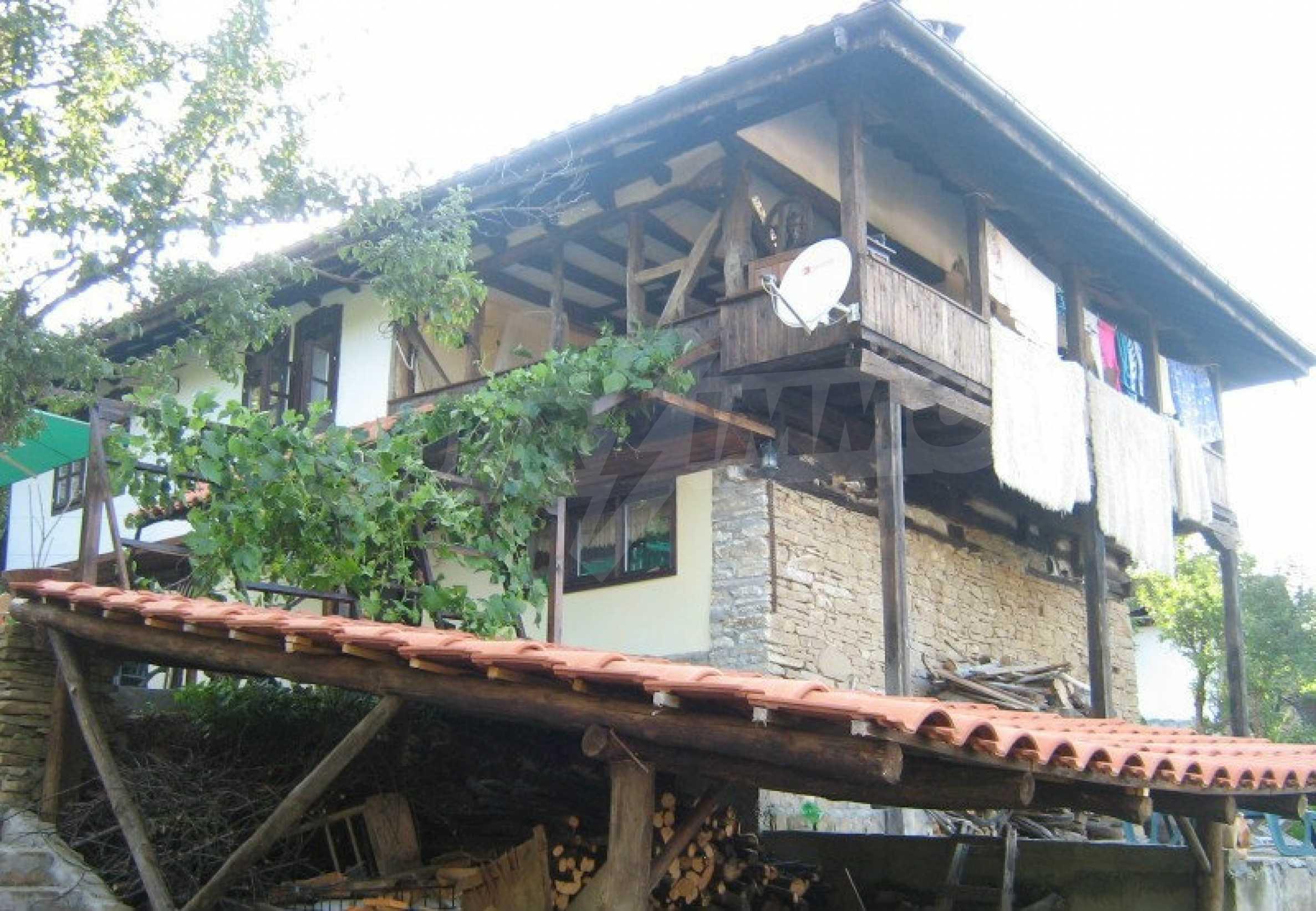 Реновиран и обзаведен имот с басейн на 7 км от Габрово 9