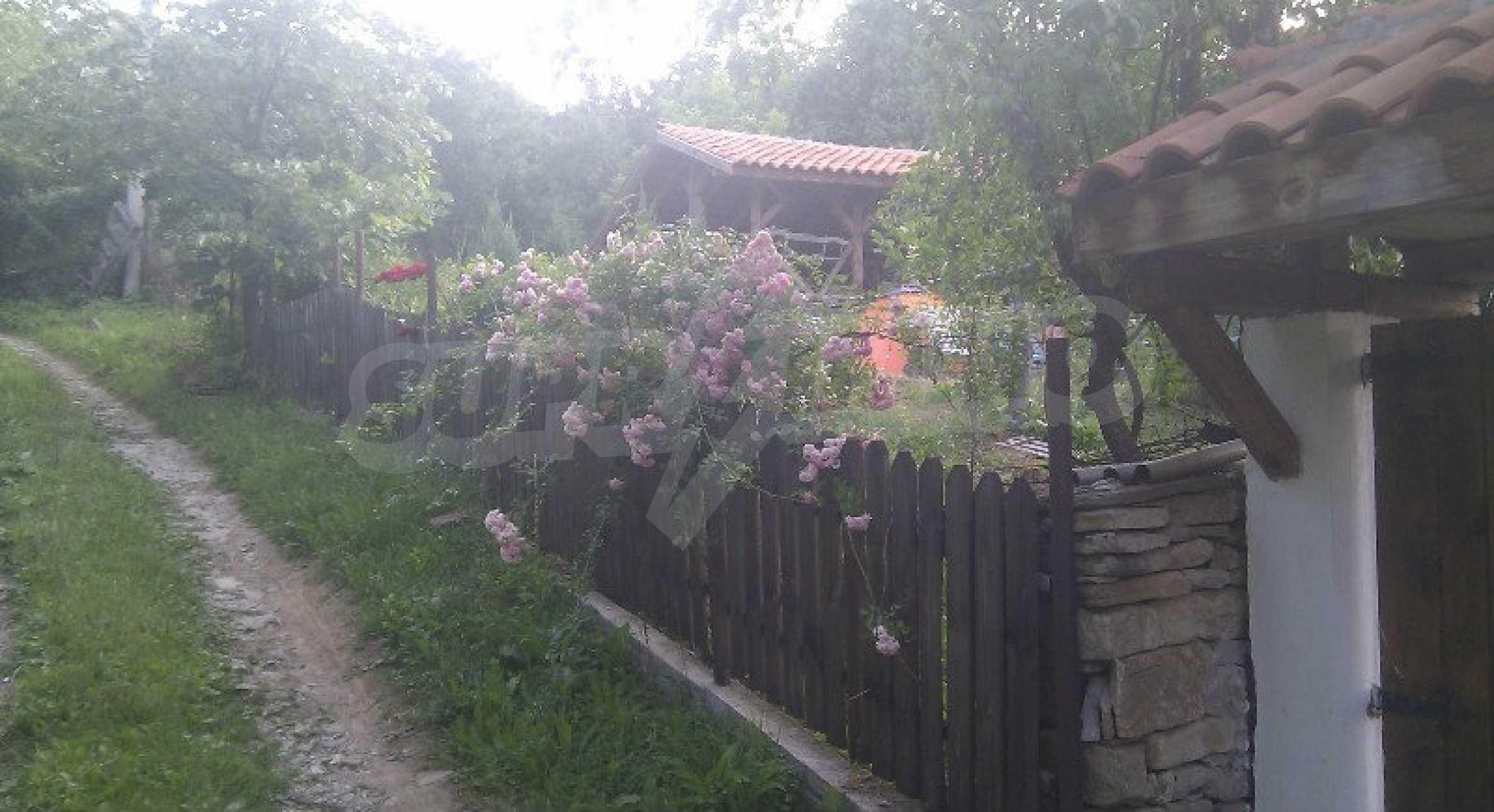 Реновиран и обзаведен имот с басейн на 7 км от Габрово 10
