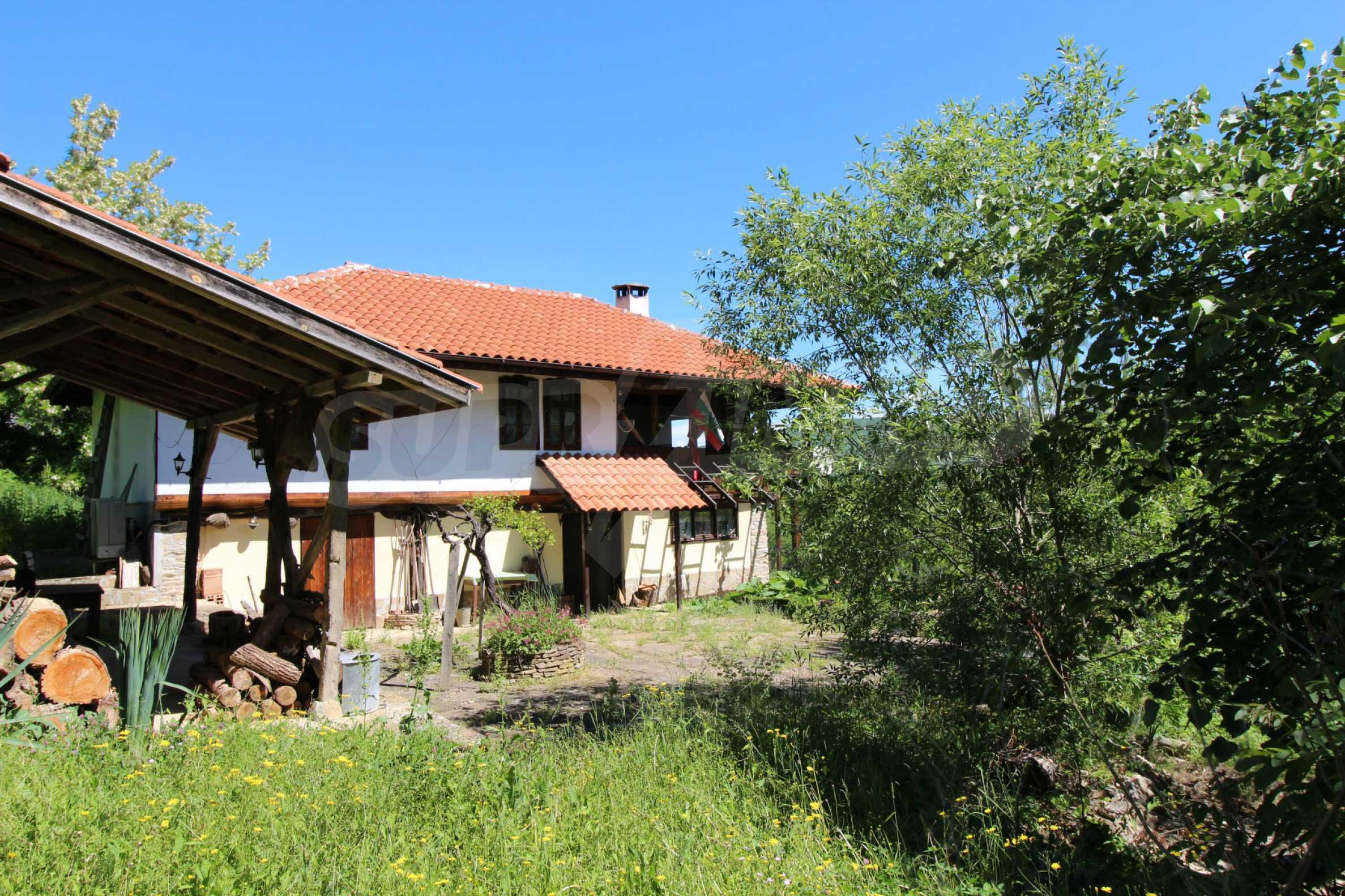 Реновиран и обзаведен имот с басейн на 7 км от Габрово 14