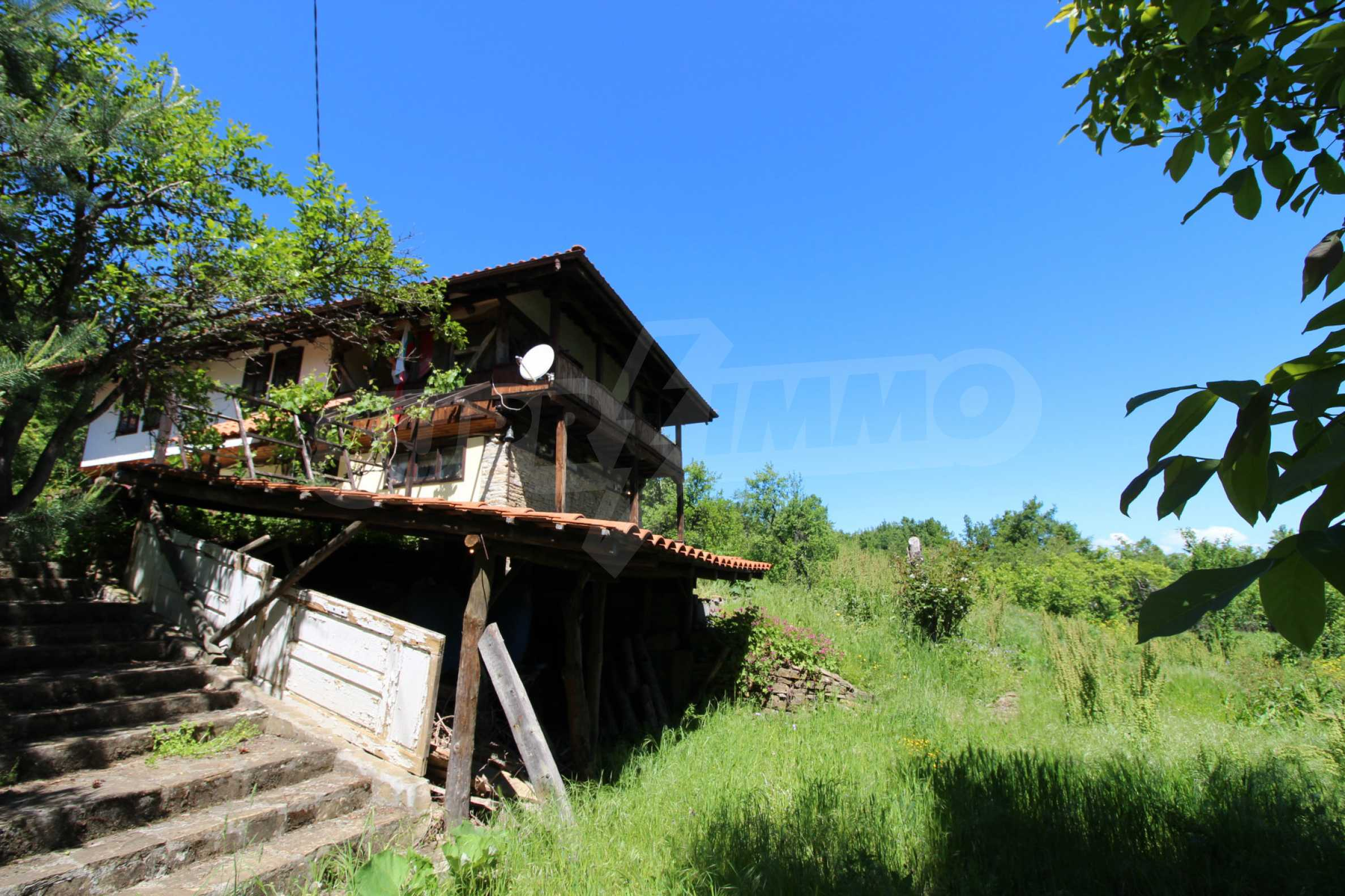Реновиран и обзаведен имот с басейн на 7 км от Габрово 15