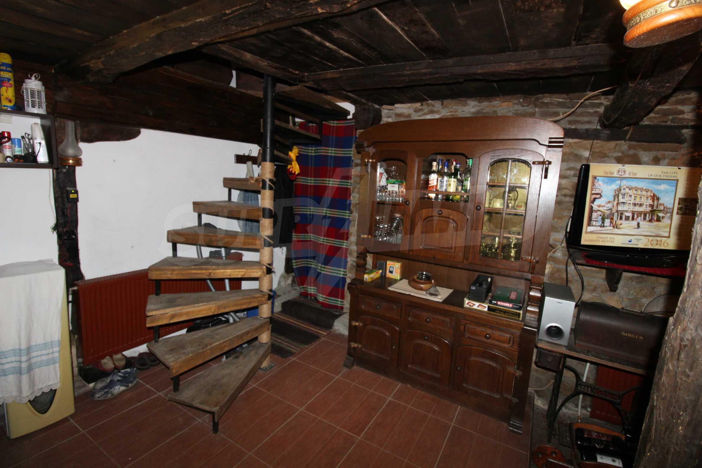 Реновиран и обзаведен имот с басейн на 7 км от Габрово 22
