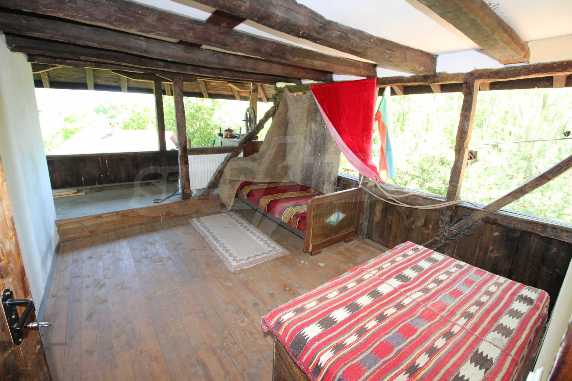 Реновиран и обзаведен имот с басейн на 7 км от Габрово 31