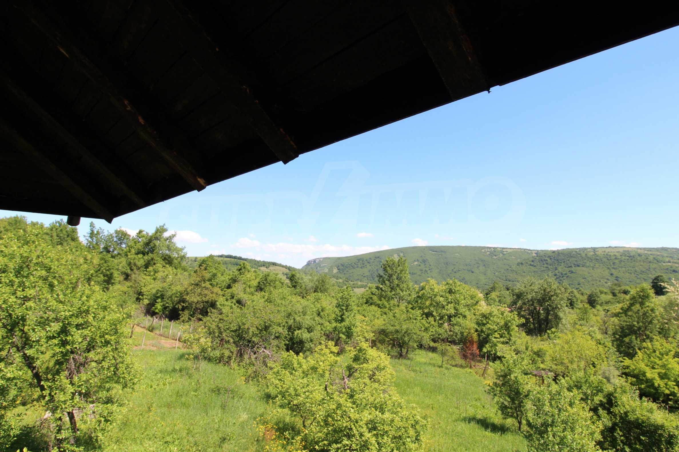 Реновиран и обзаведен имот с басейн на 7 км от Габрово 33